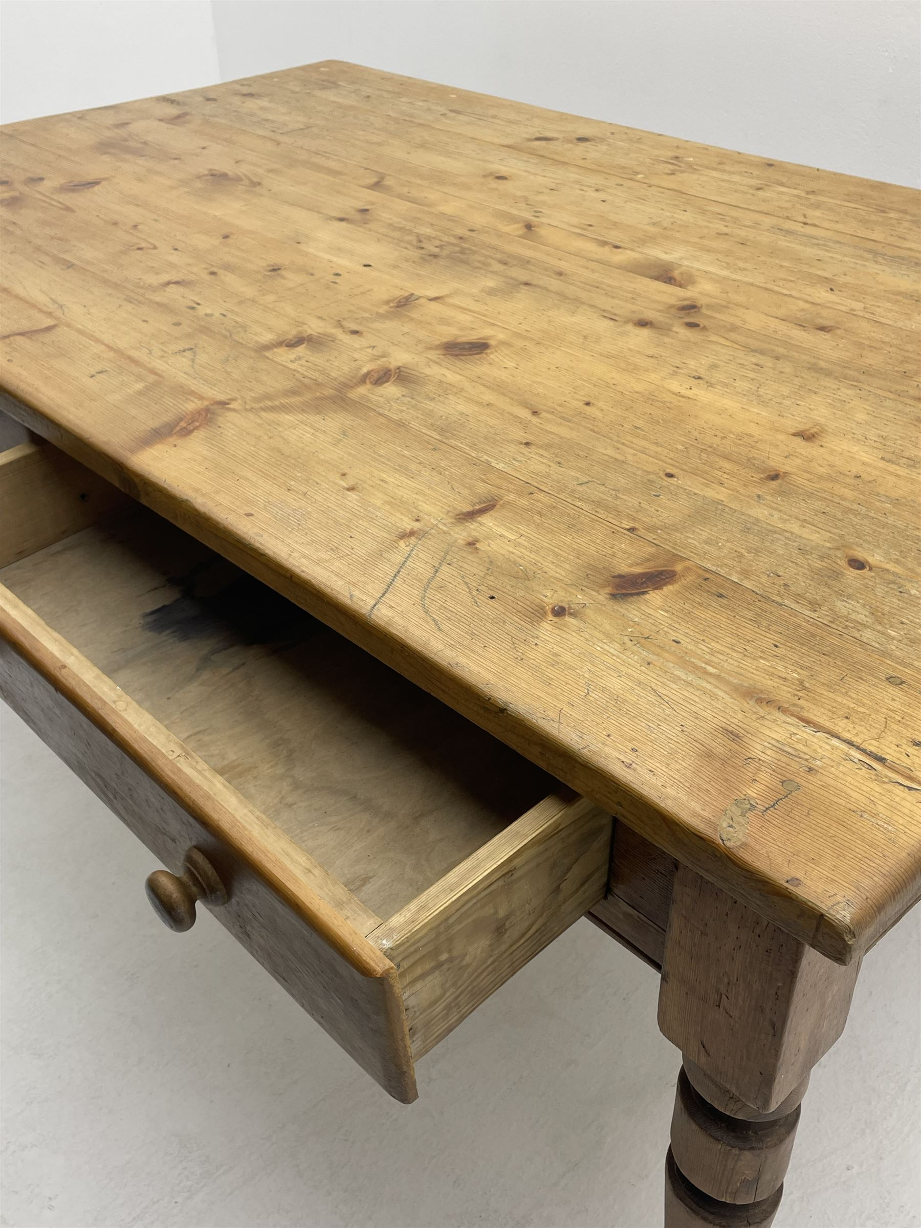 19th century and later pine farmhouse style kitchen dining table - Image 4 of 4