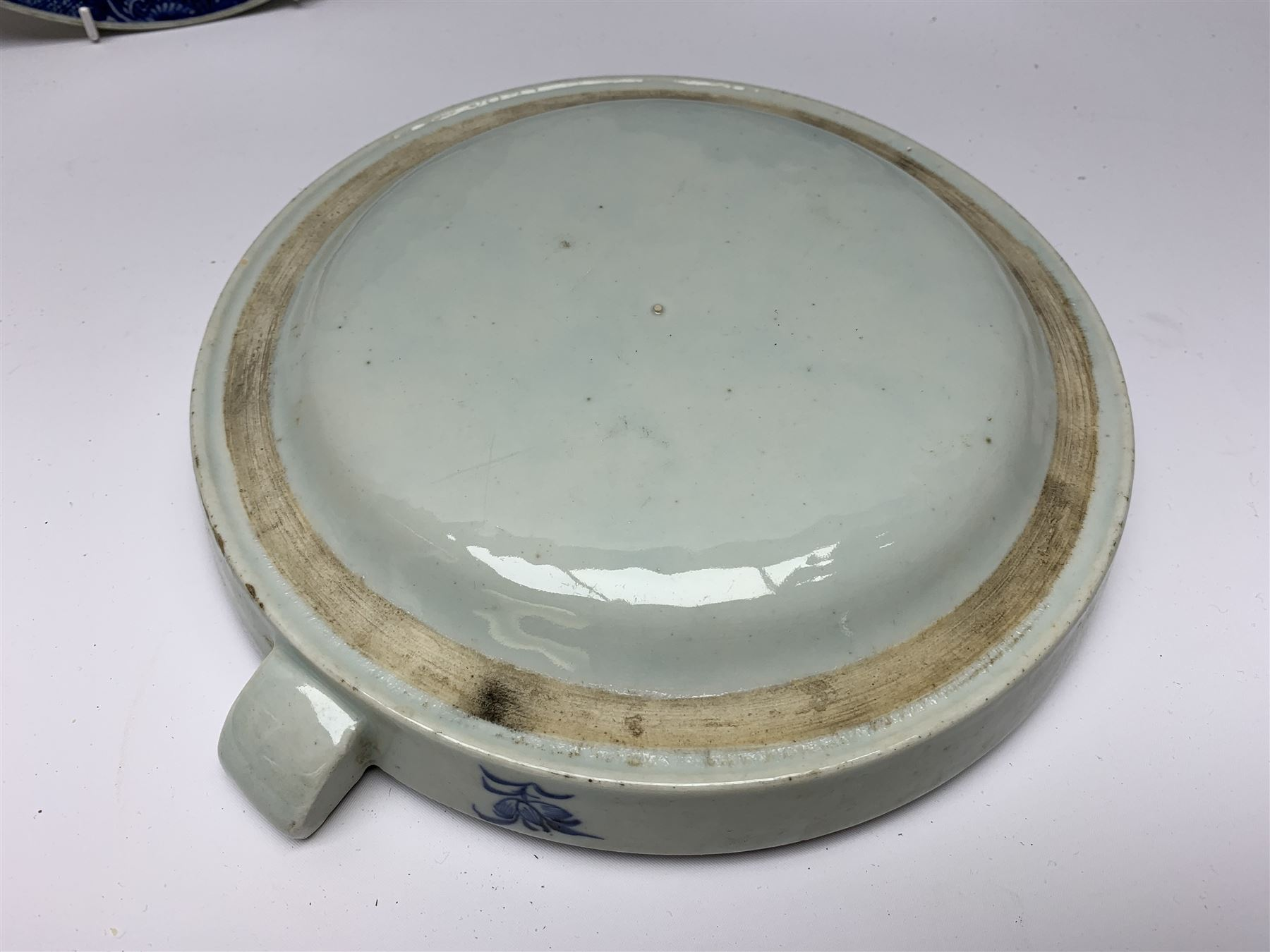 Set of seven late 18th/early 19th century Chinese export blue and white hot water plates - Image 3 of 11