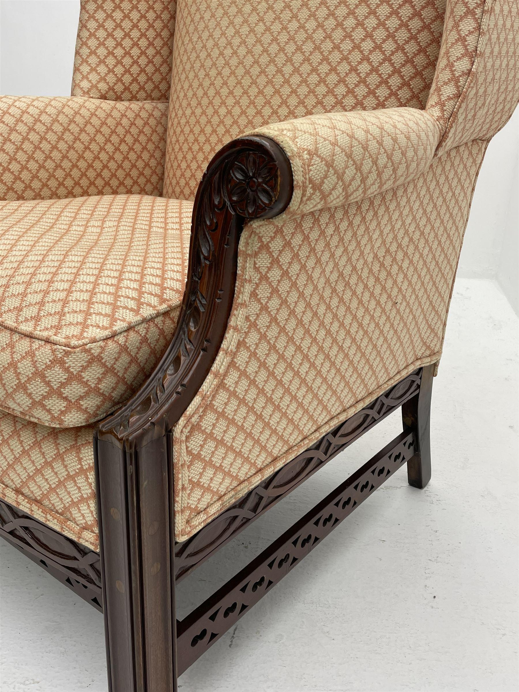 Georgian style mahogany framed wingback armchair - Image 5 of 5