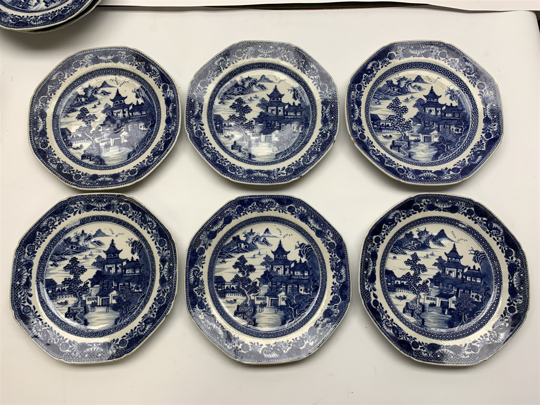 Late 18th/early 19th century Chinese export blue and white forty seven piece part dinner service - Image 17 of 20