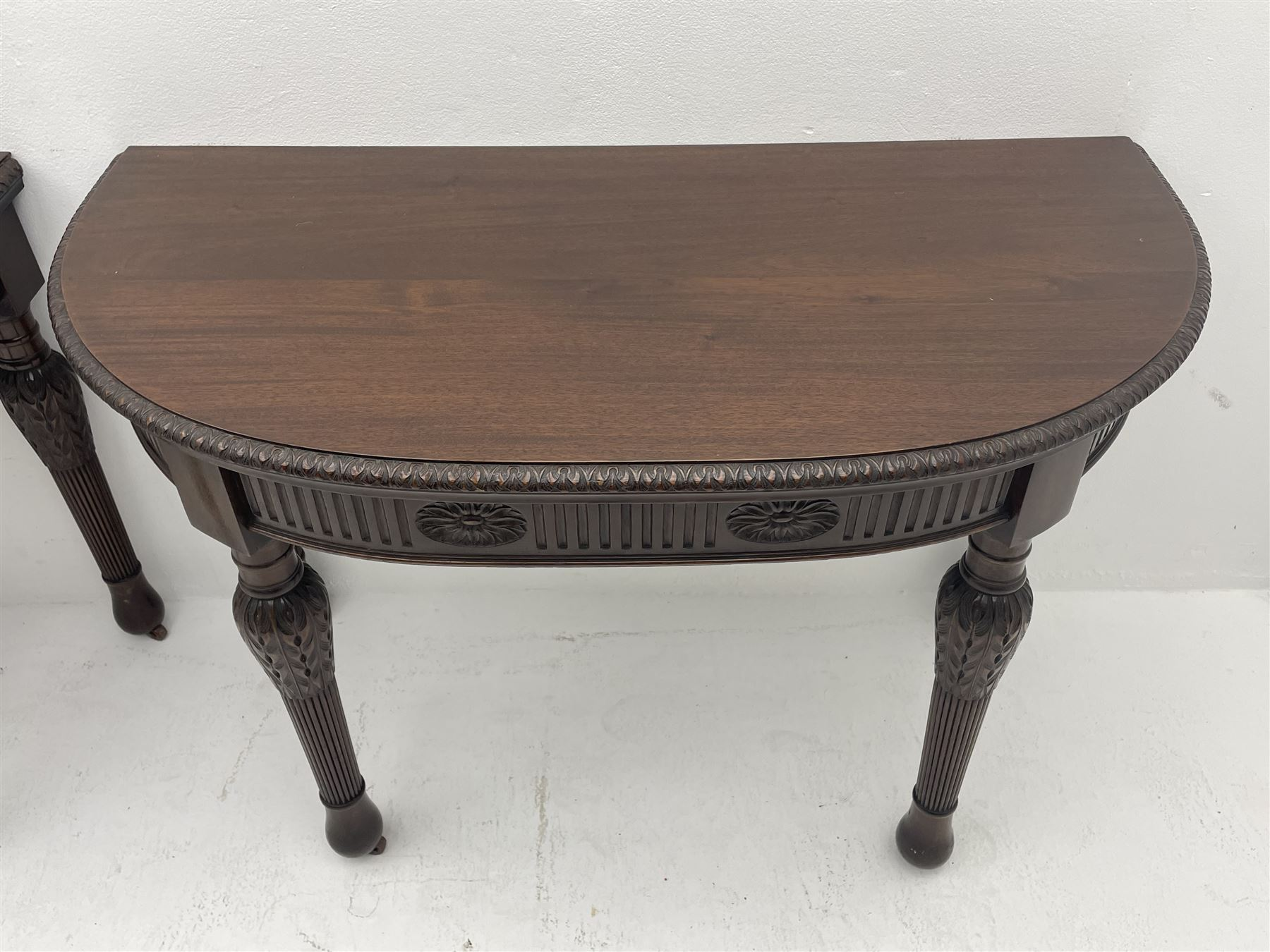 Pair early 20th century Hepplewhite style mahogany D-end console tables - Image 7 of 7