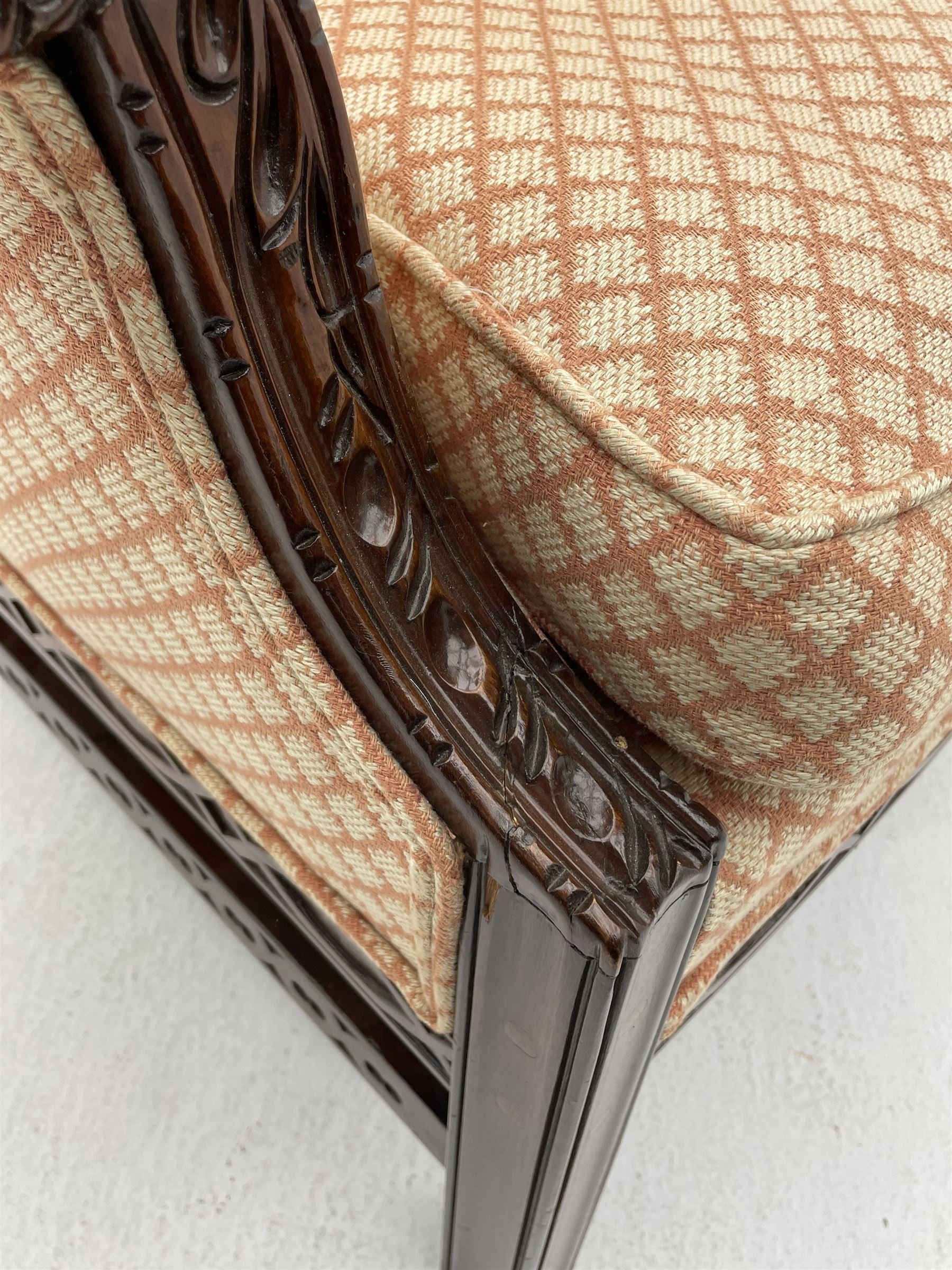 Georgian style mahogany framed wingback armchair - Image 3 of 5