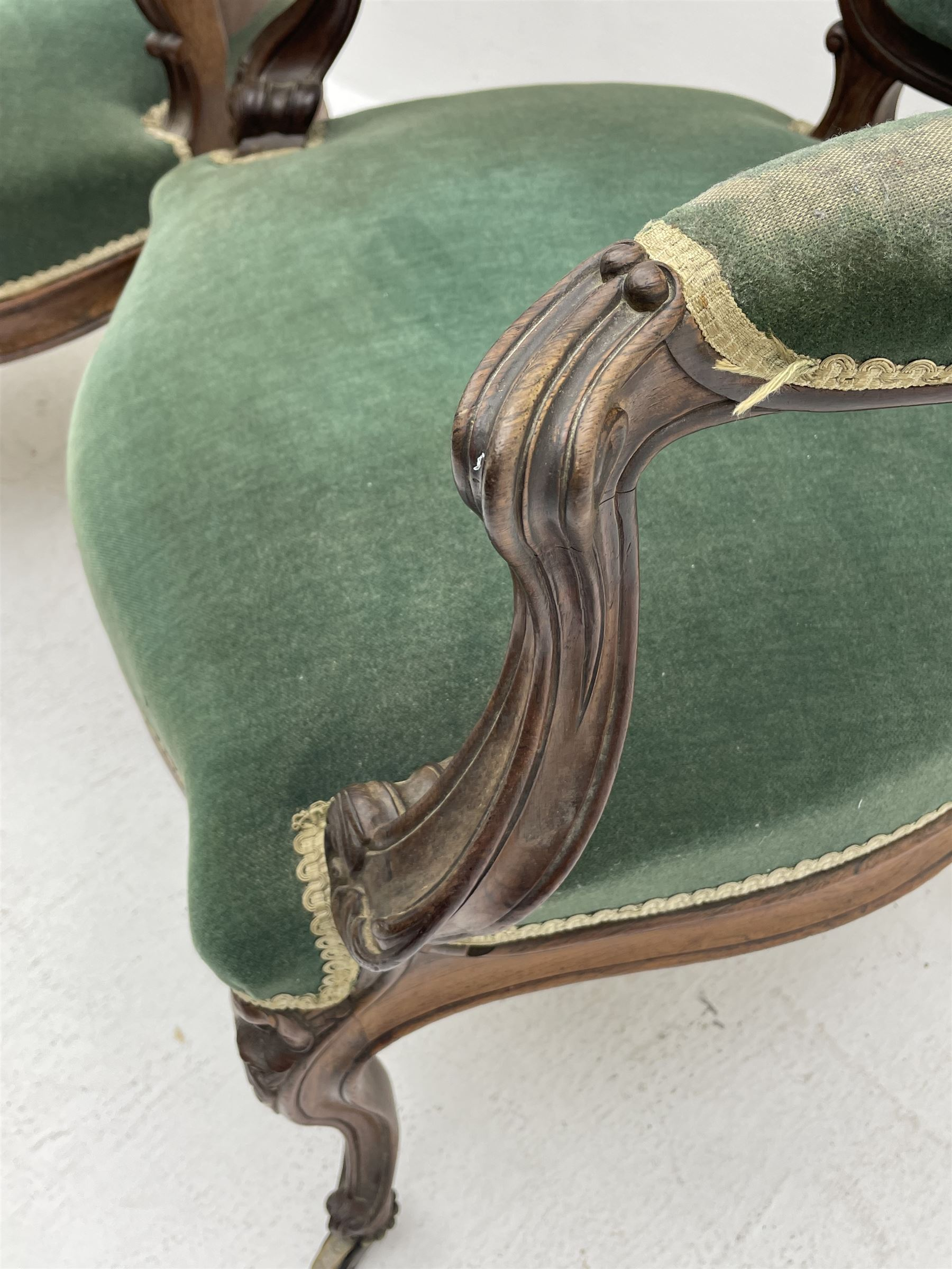 Set three Victorian rosewood drawing room open armchairs - Image 6 of 6