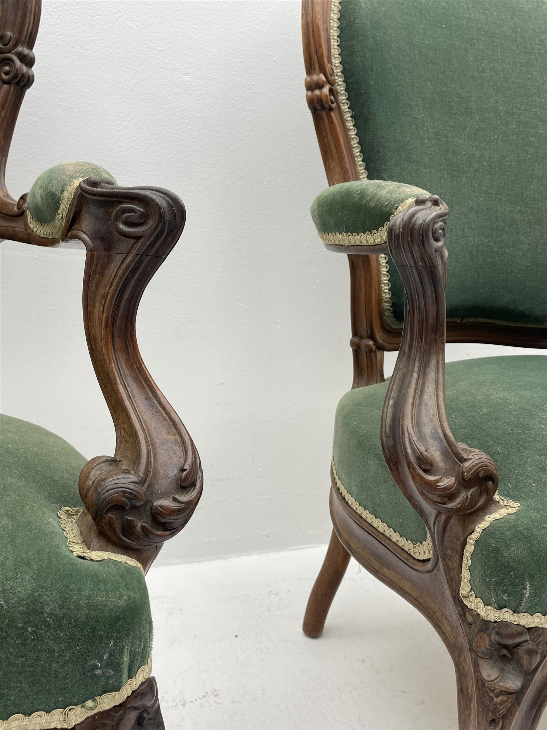 Set three Victorian rosewood drawing room open armchairs - Image 3 of 6