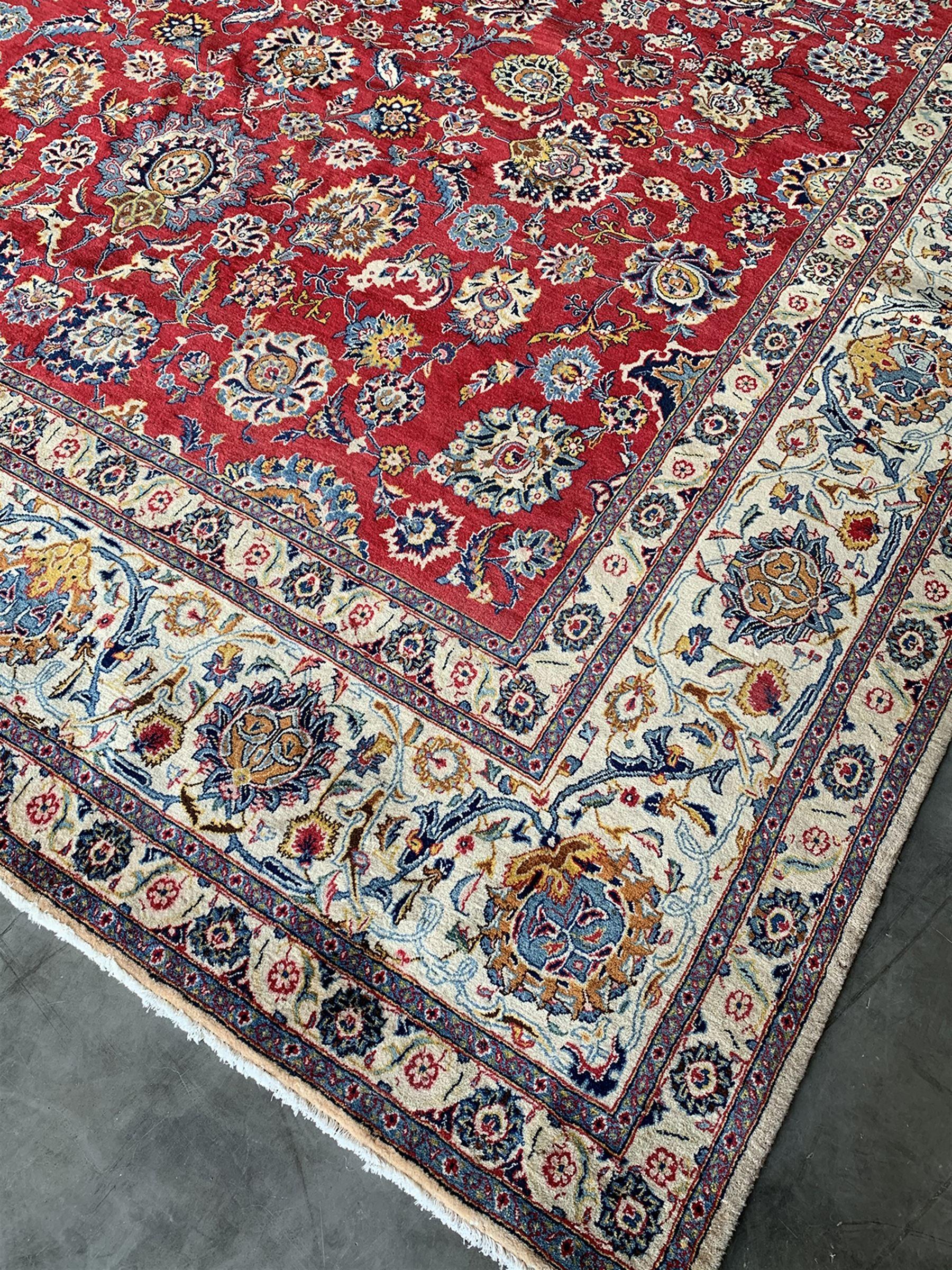 Large Fine Persian Kashan rug - Image 2 of 11