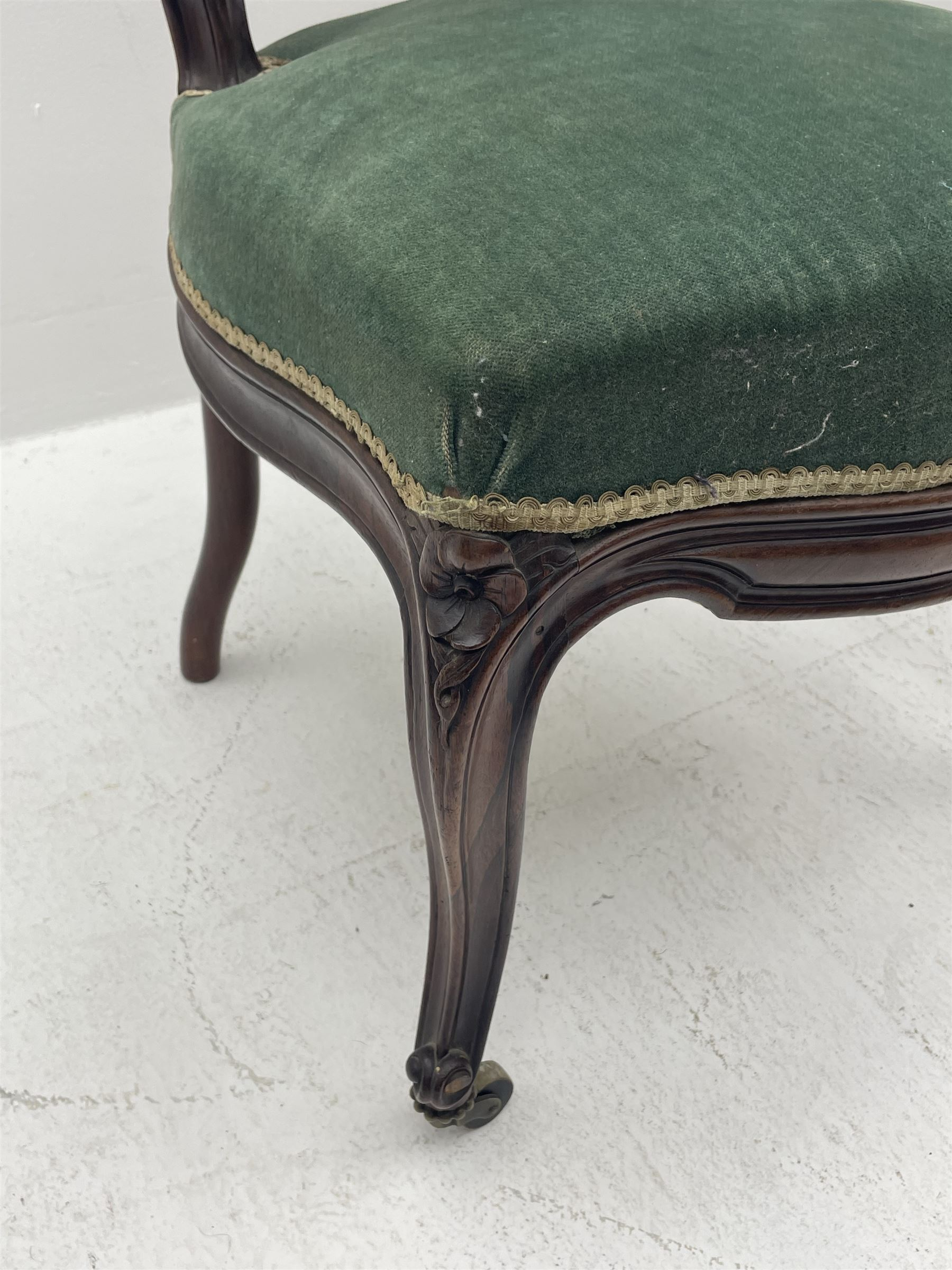 Set three Victorian rosewood drawing room side chairs - Image 4 of 5