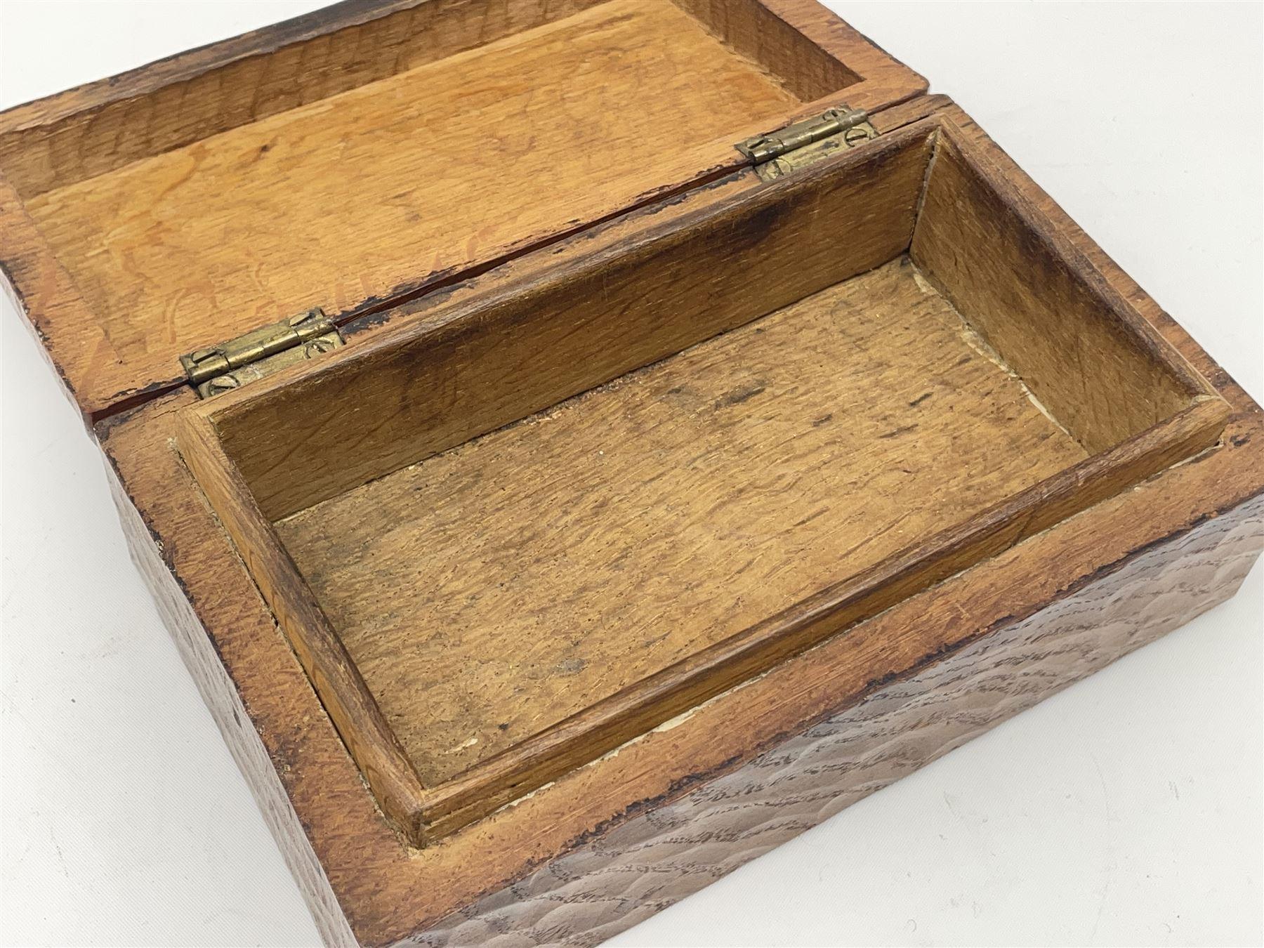 'Gnomeman' tooled oak trinket box - Image 6 of 6