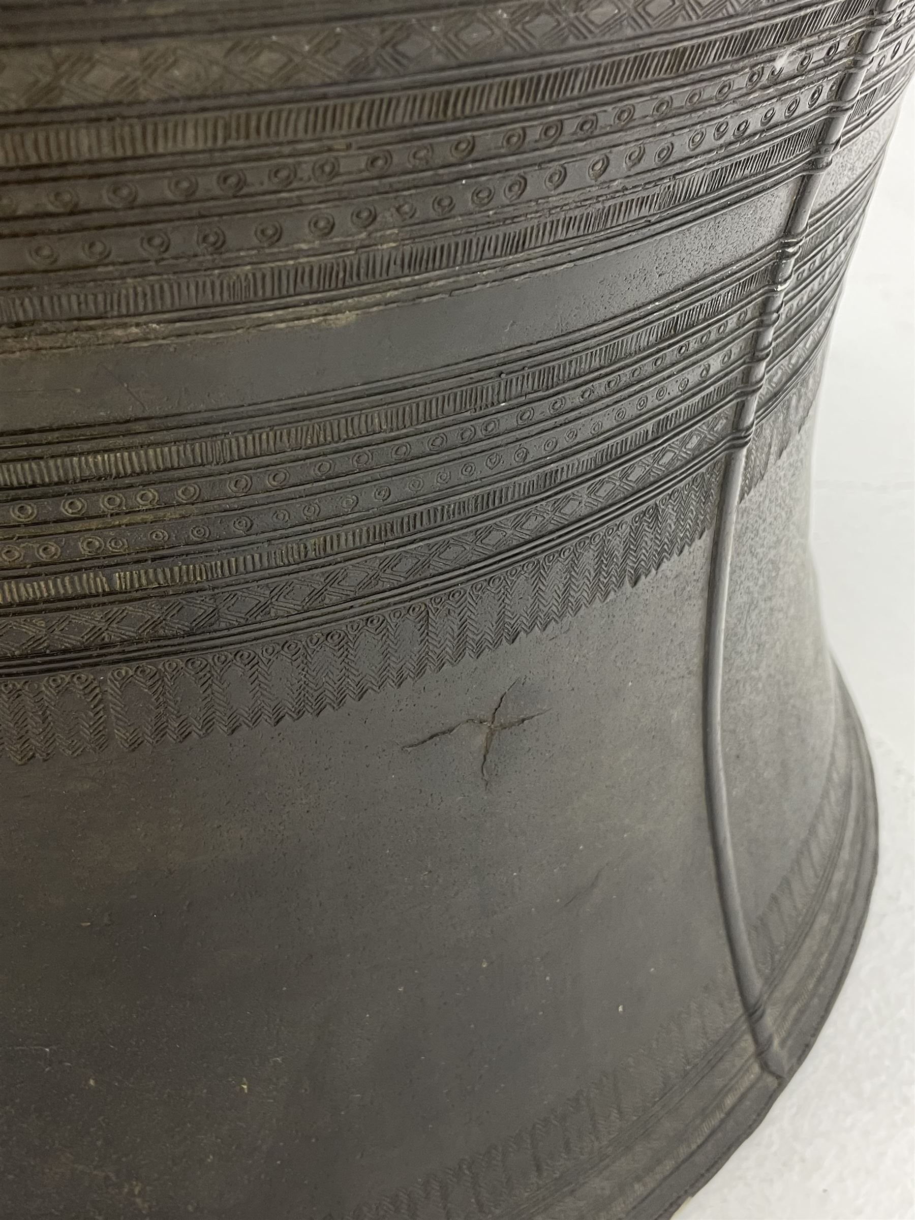 Dong Son style Southeast Asian bronze rain drum - Image 6 of 8
