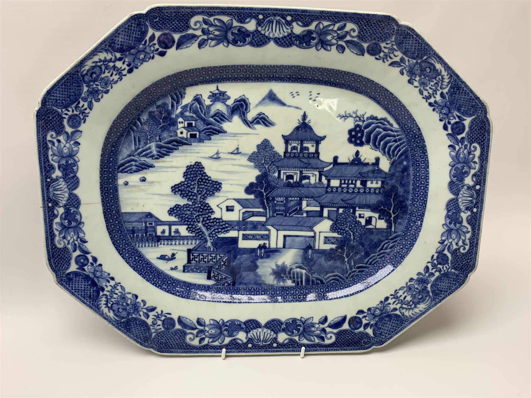 Late 18th/early 19th century Chinese export blue and white forty seven piece part dinner service - Image 3 of 20