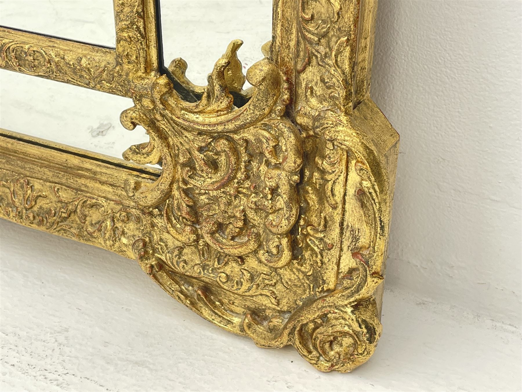 Large Victorian style gilt cushion framed mirror - Image 4 of 5