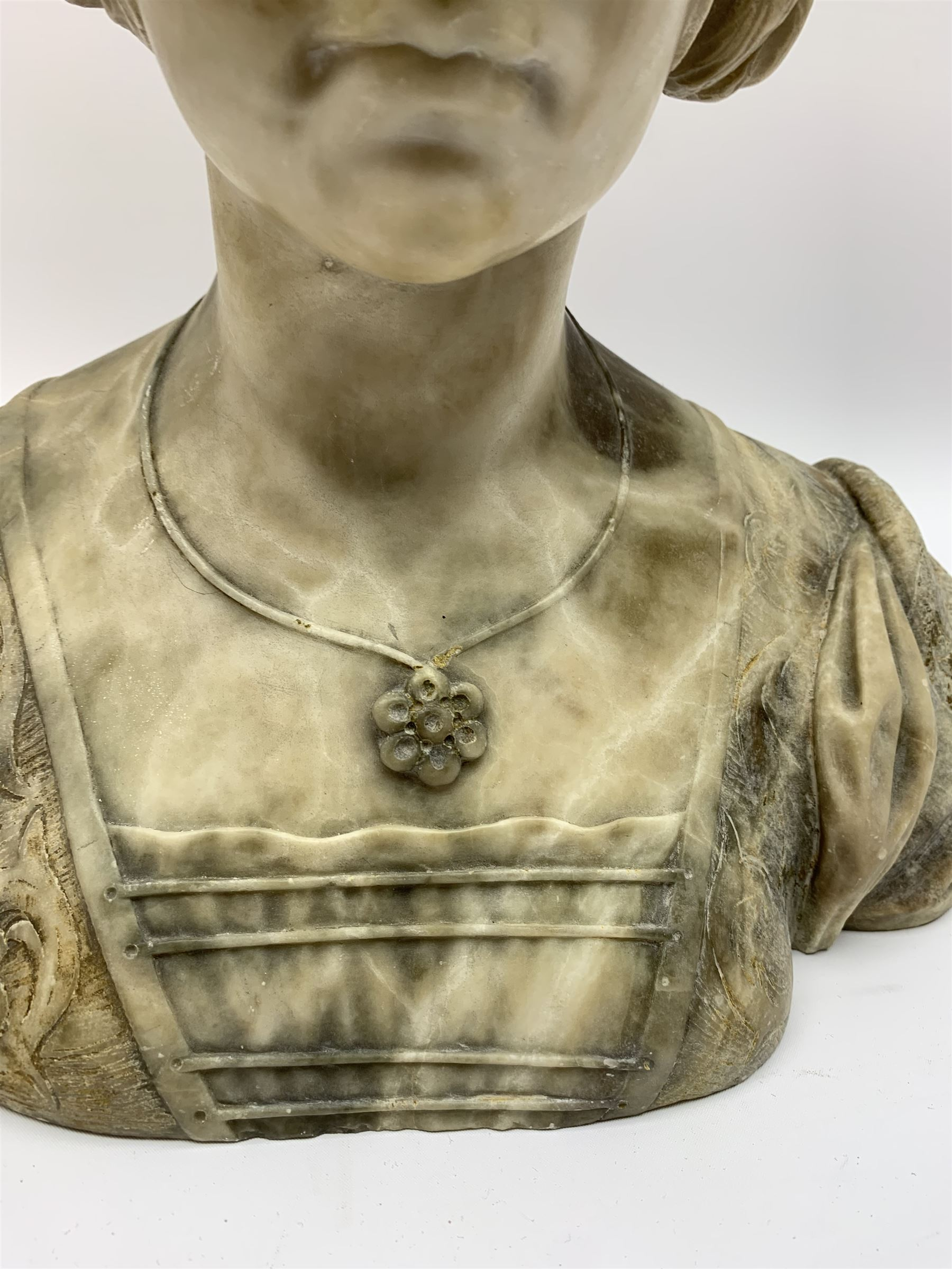 Carved marble bust modelled as a female figure - Image 4 of 10