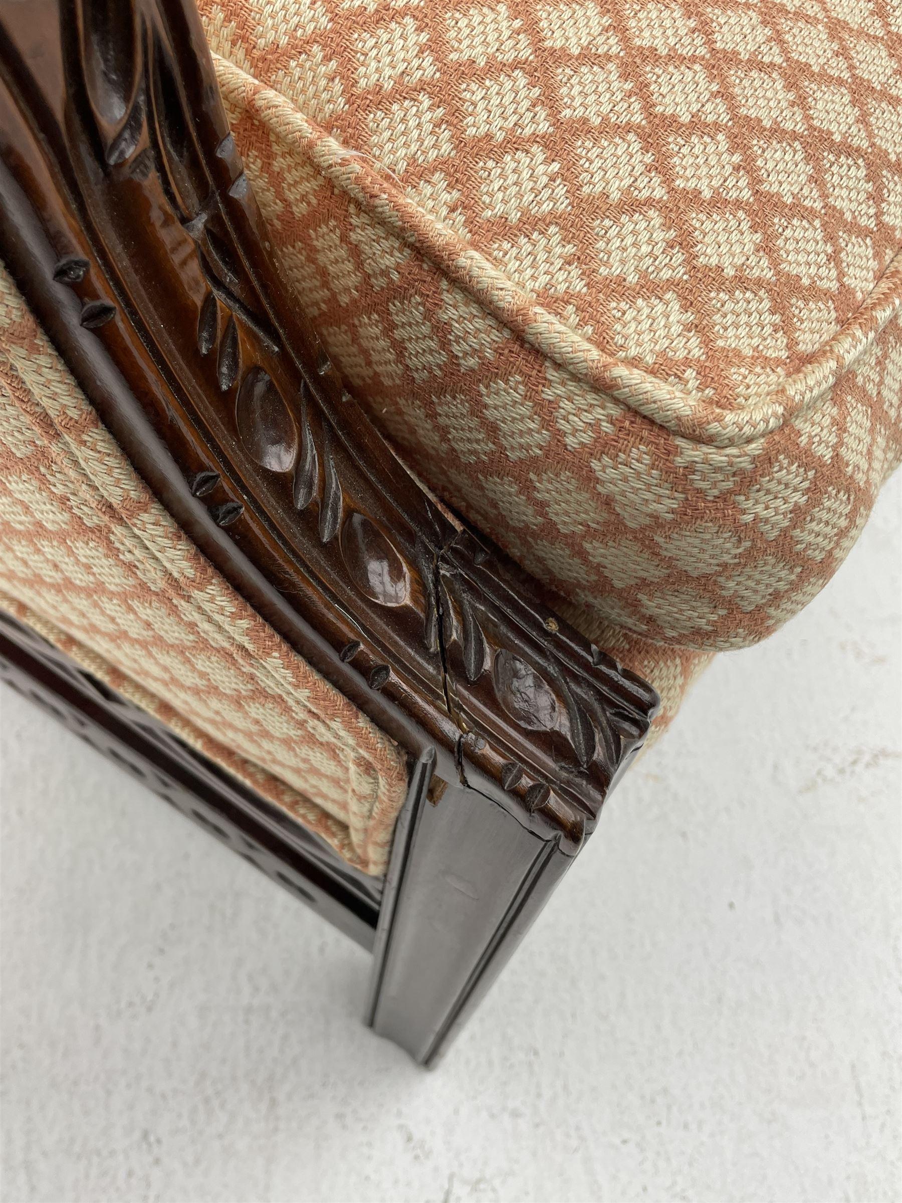 Georgian style mahogany framed wingback armchair - Image 4 of 5