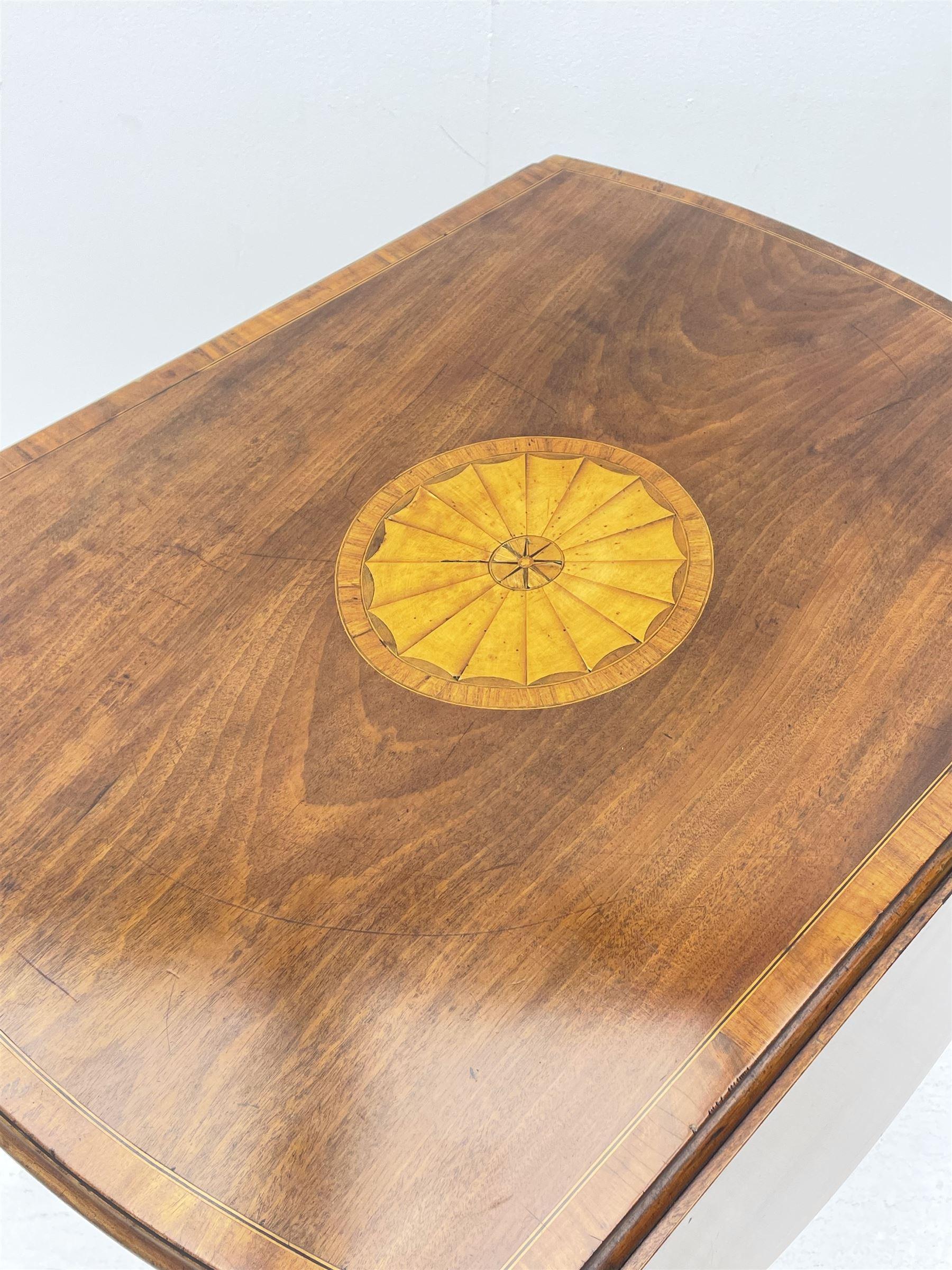 Sheraton period mahogany Pembroke table - Image 2 of 8