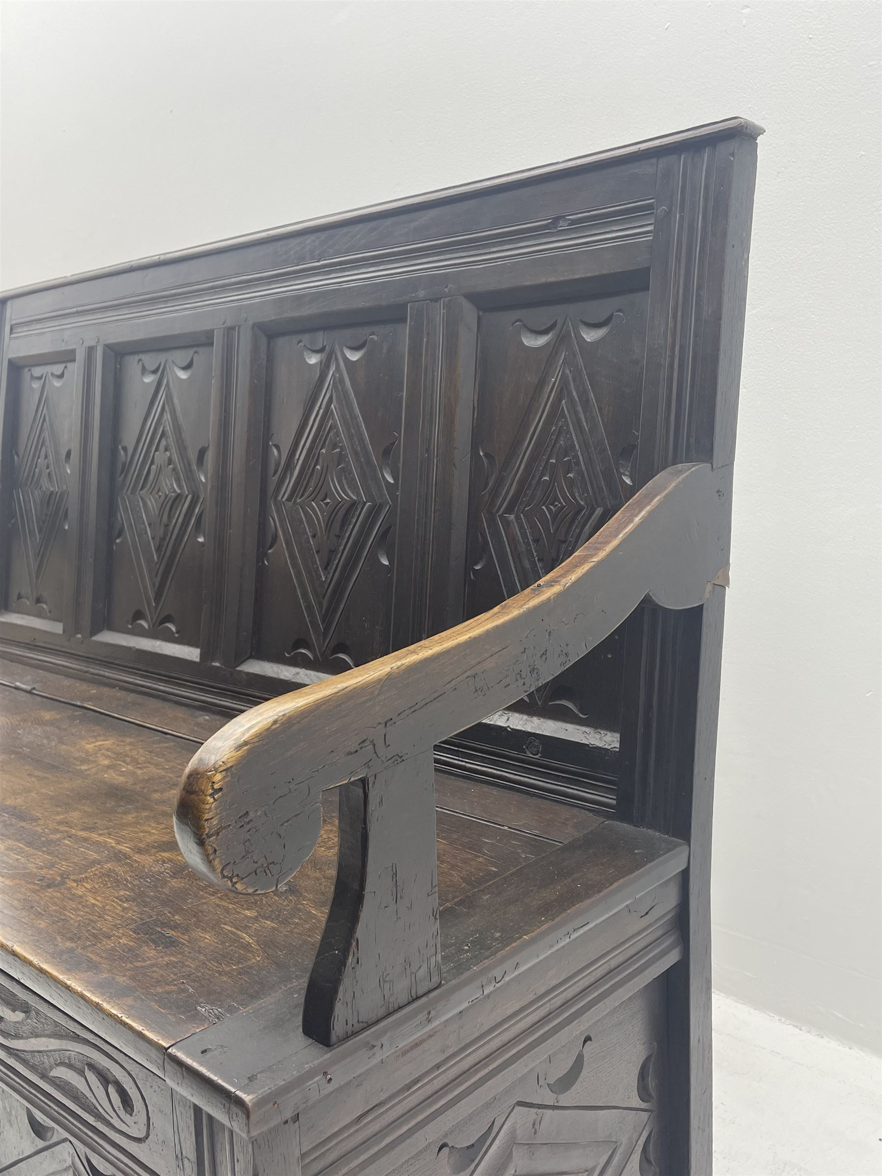 17th century and later box settle - Image 5 of 7