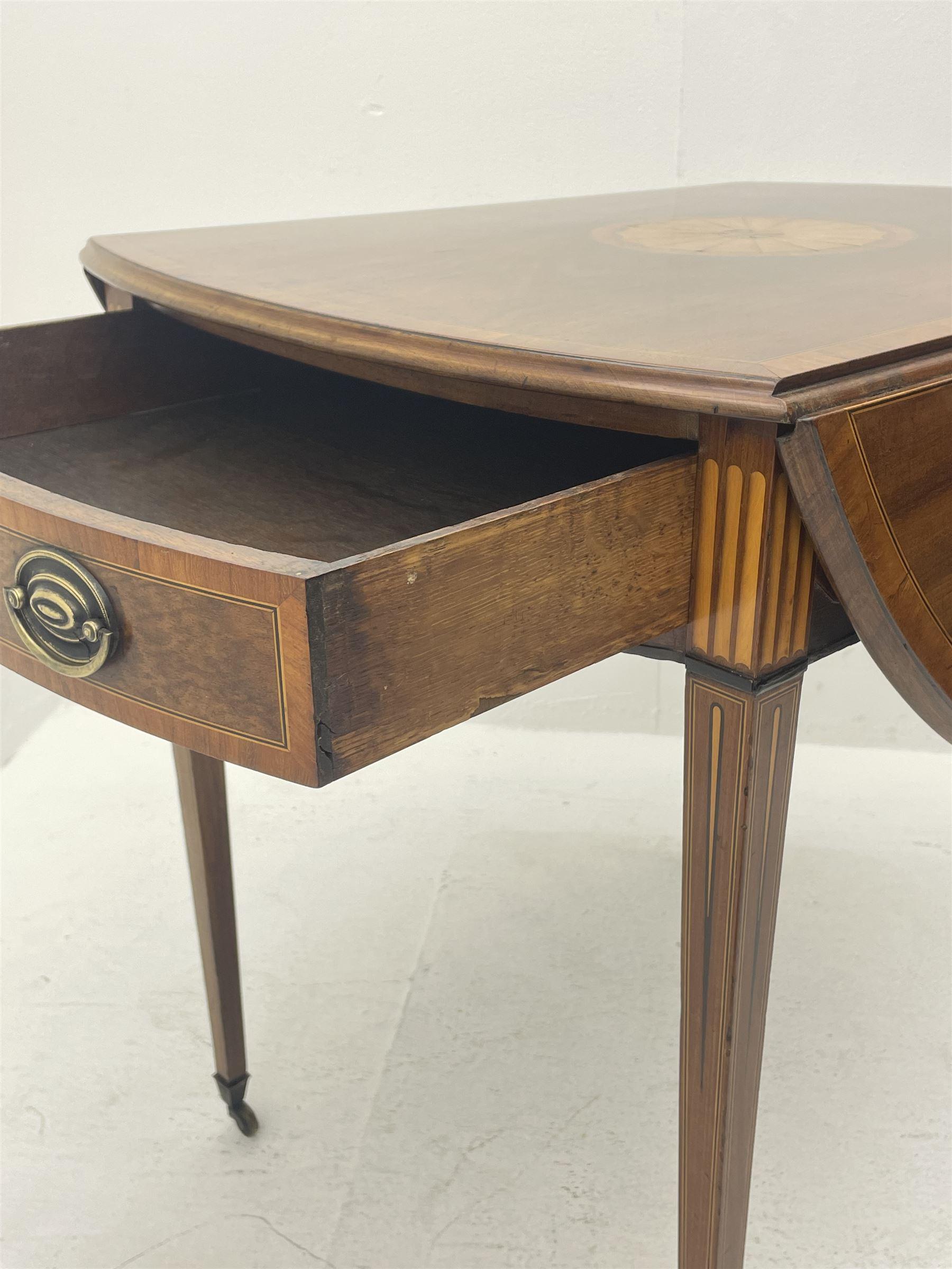 Sheraton period mahogany Pembroke table - Image 4 of 8