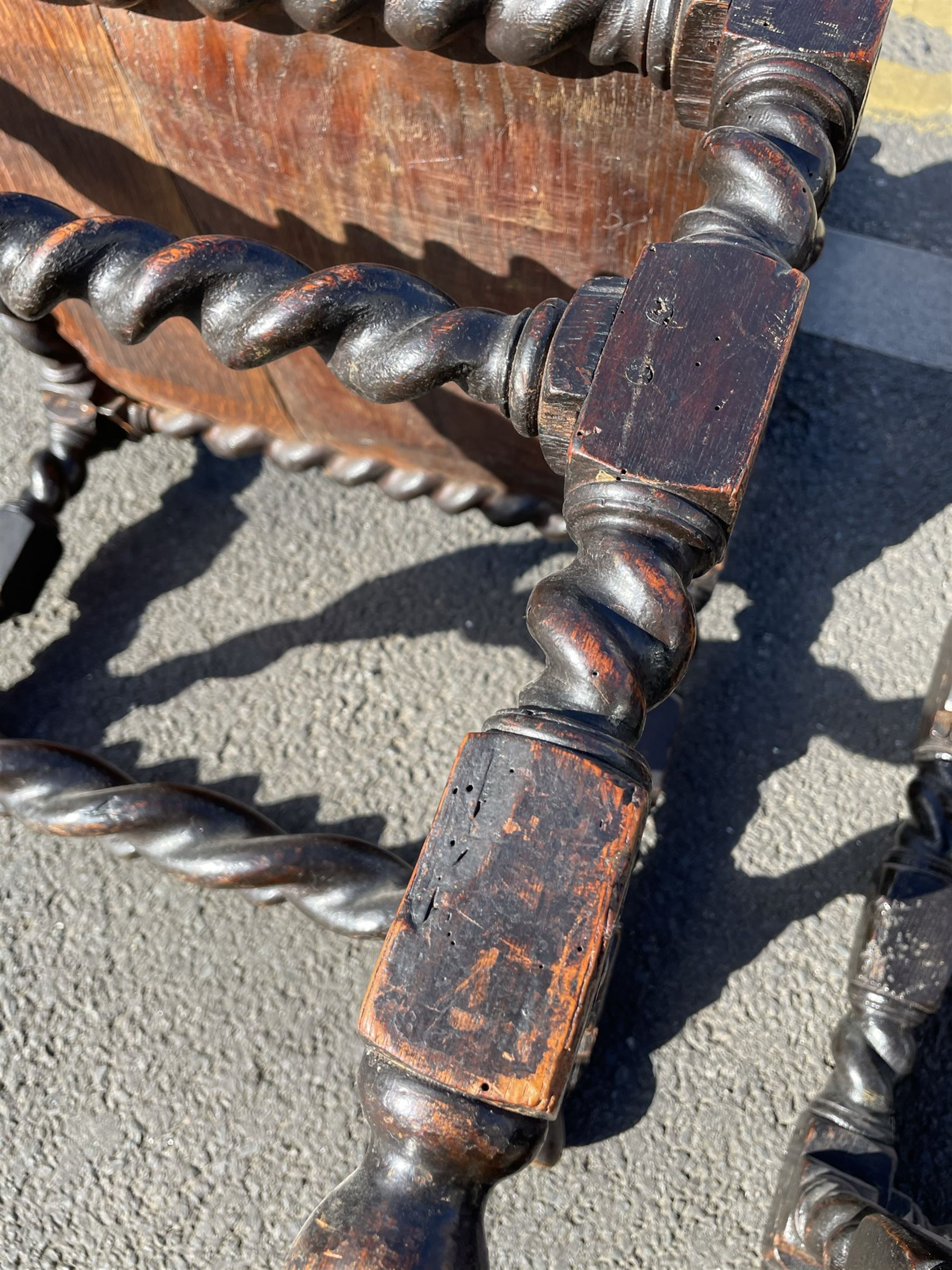 Unusual pair late 17th century oak spindle-back chairs - Image 14 of 20
