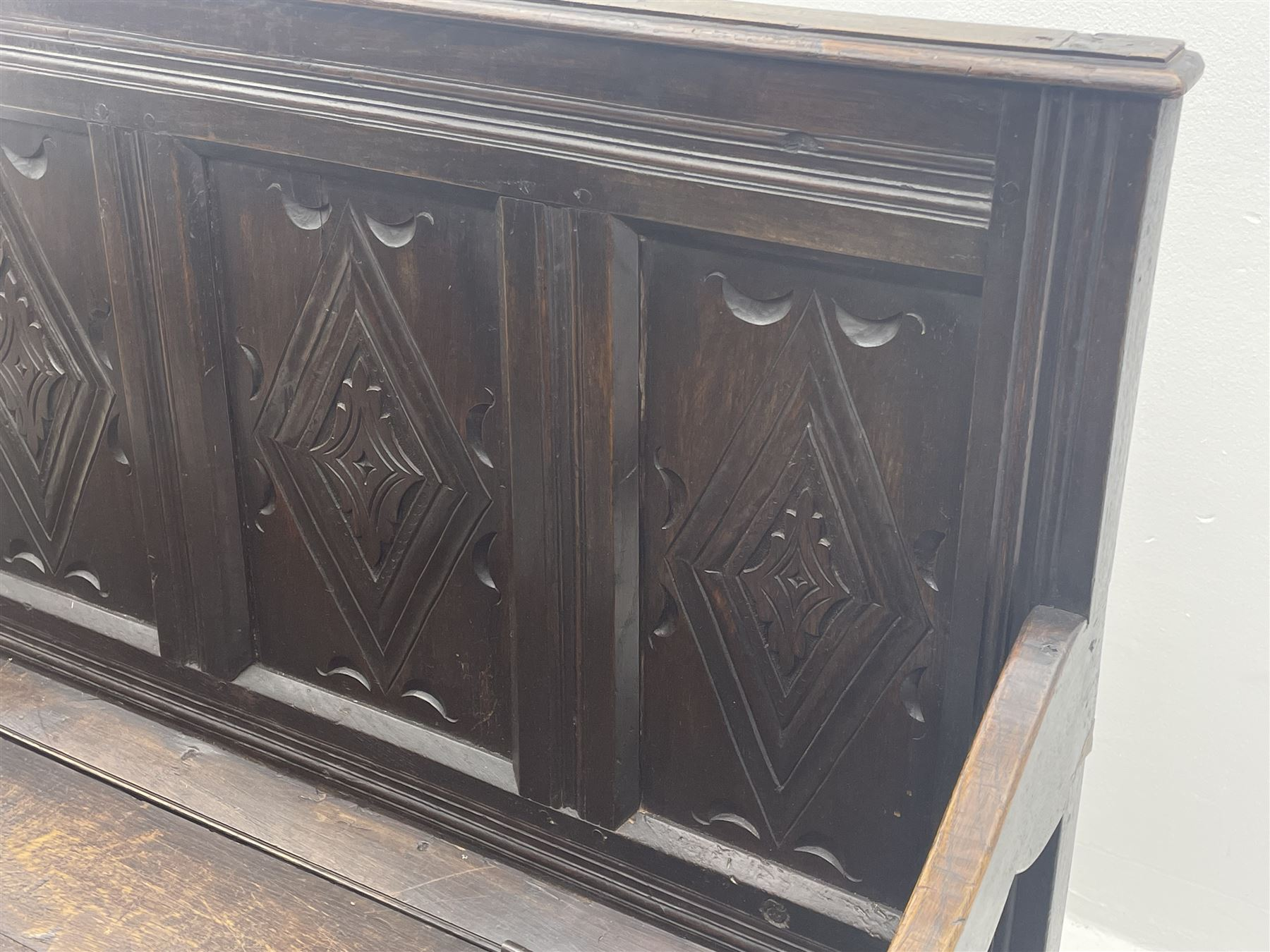 17th century and later box settle - Image 4 of 7