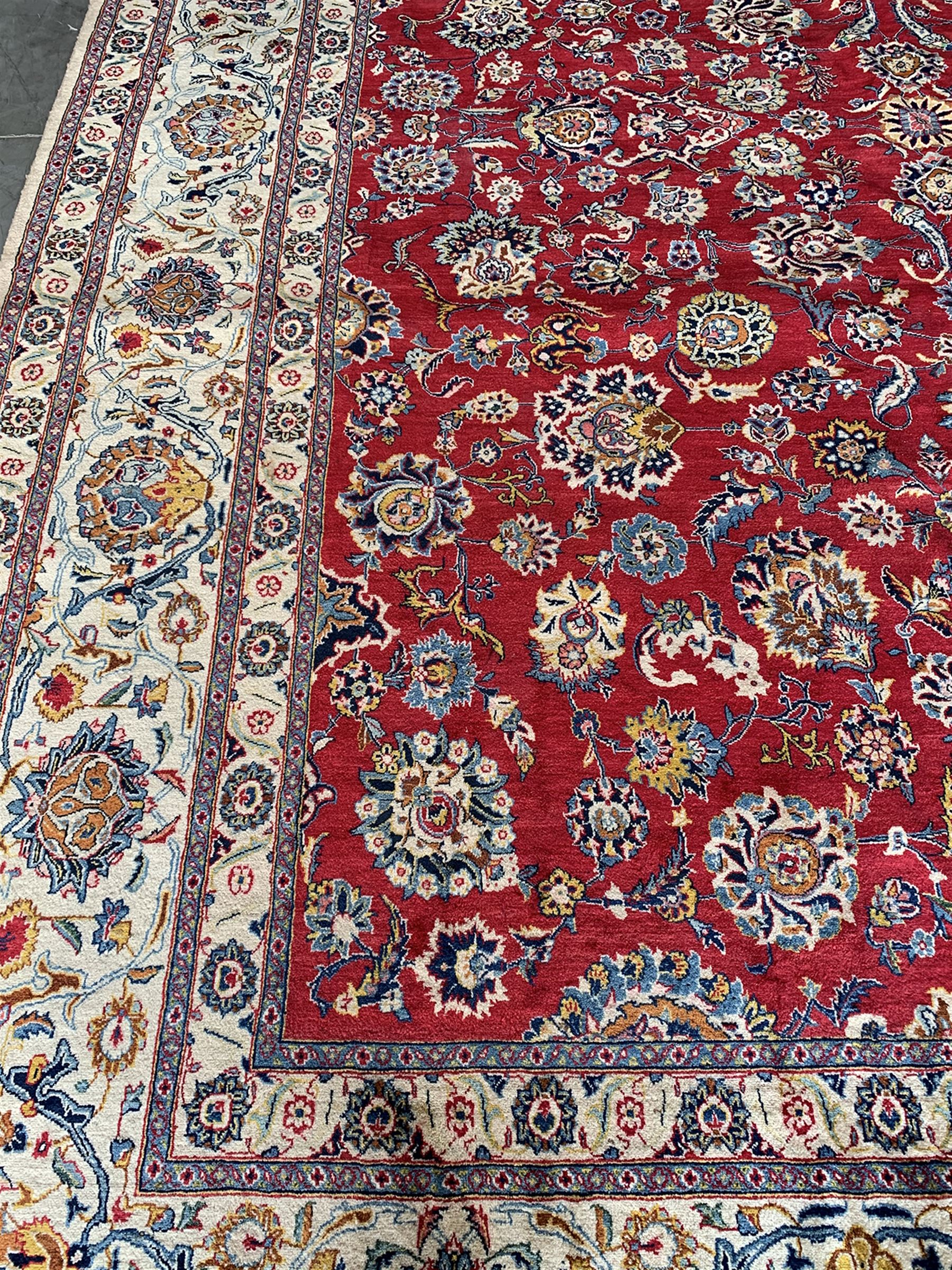 Large Fine Persian Kashan rug - Image 4 of 11