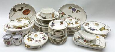 Royal Worcester Evesham dinner service including dinner plates