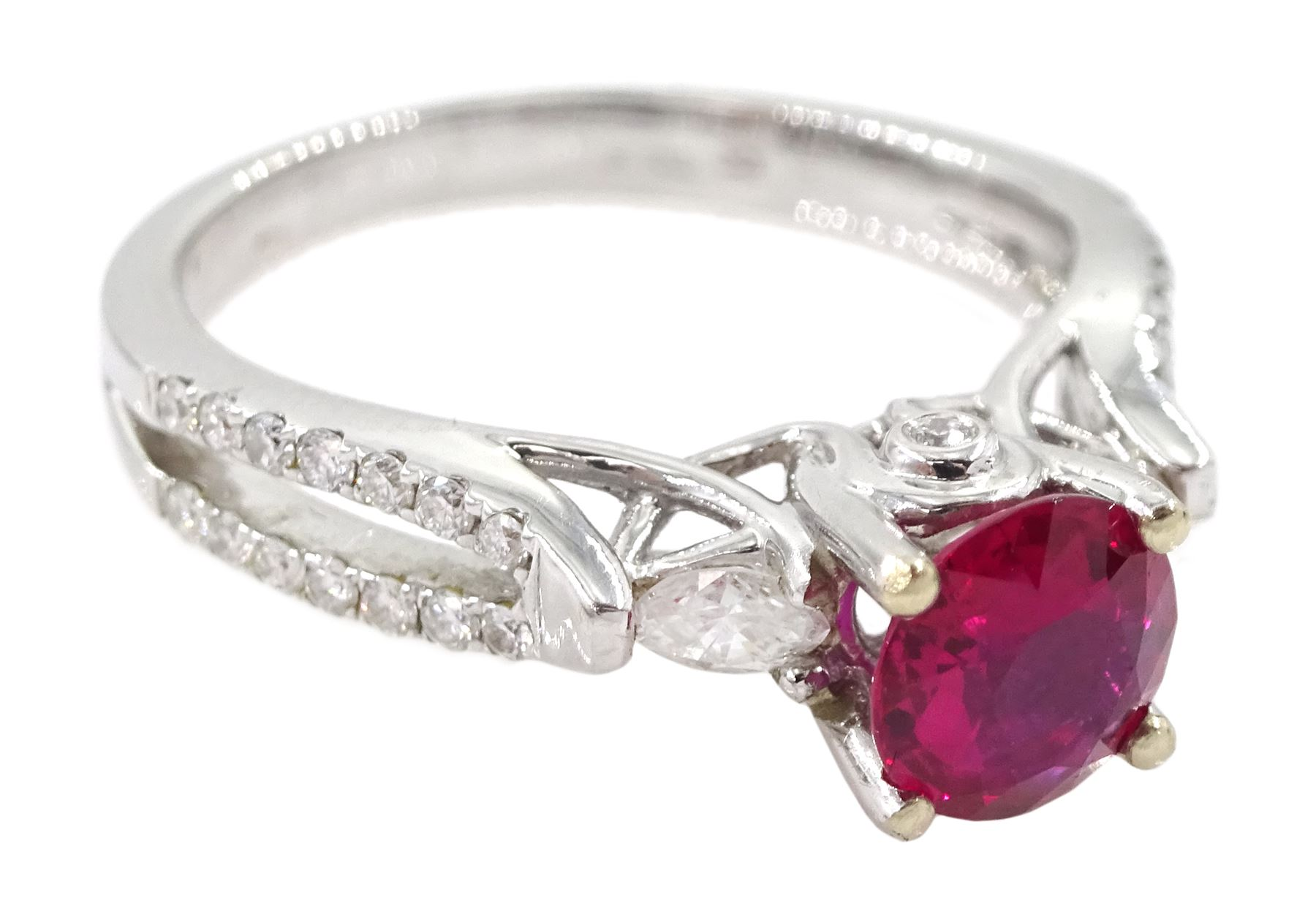 18ct white gold round ruby ring - Image 3 of 4