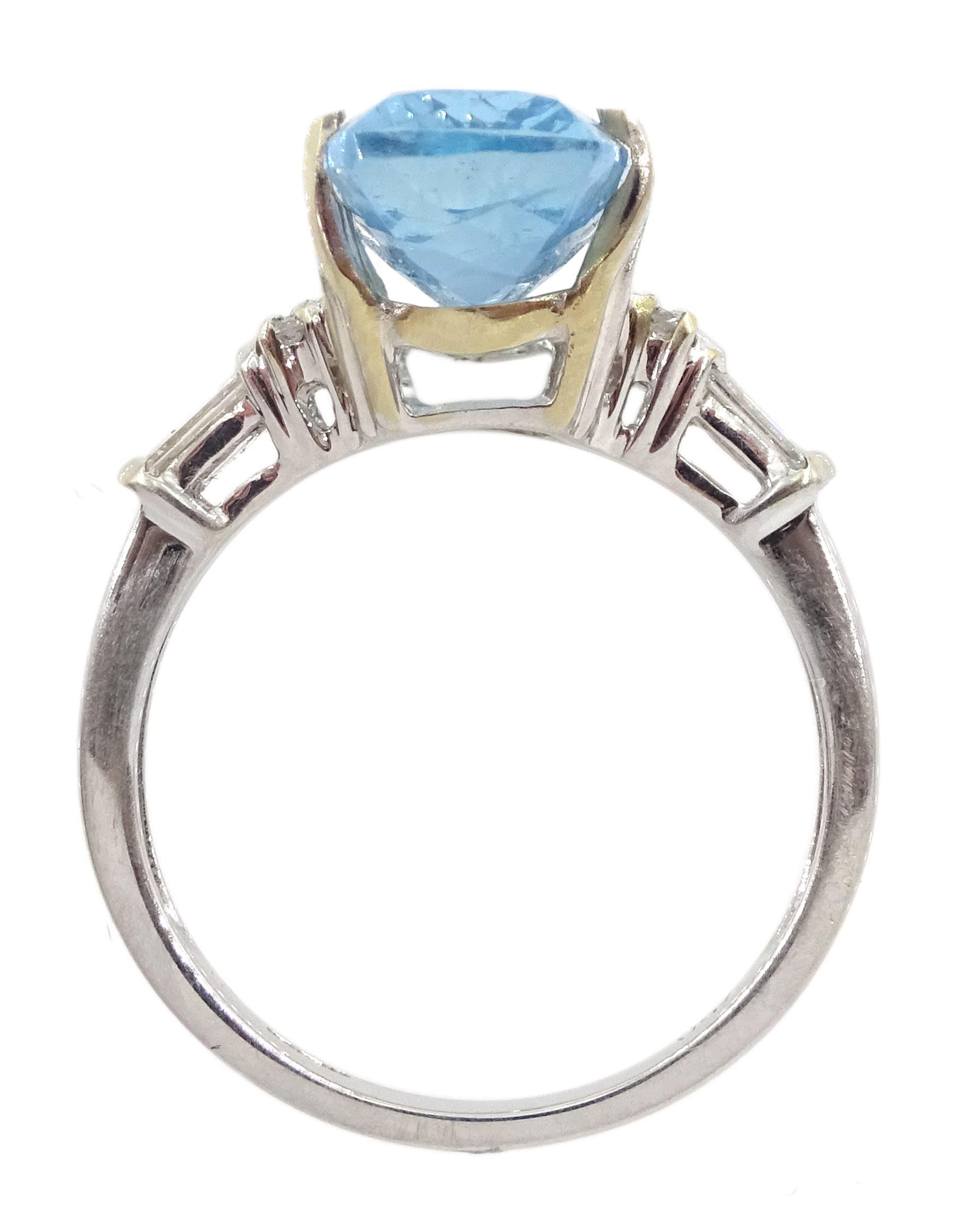 18ct white gold aquamarine ring - Image 4 of 4