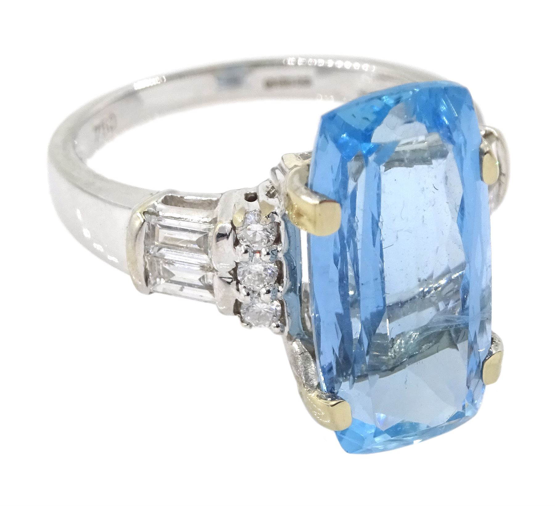 18ct white gold aquamarine ring - Image 3 of 4