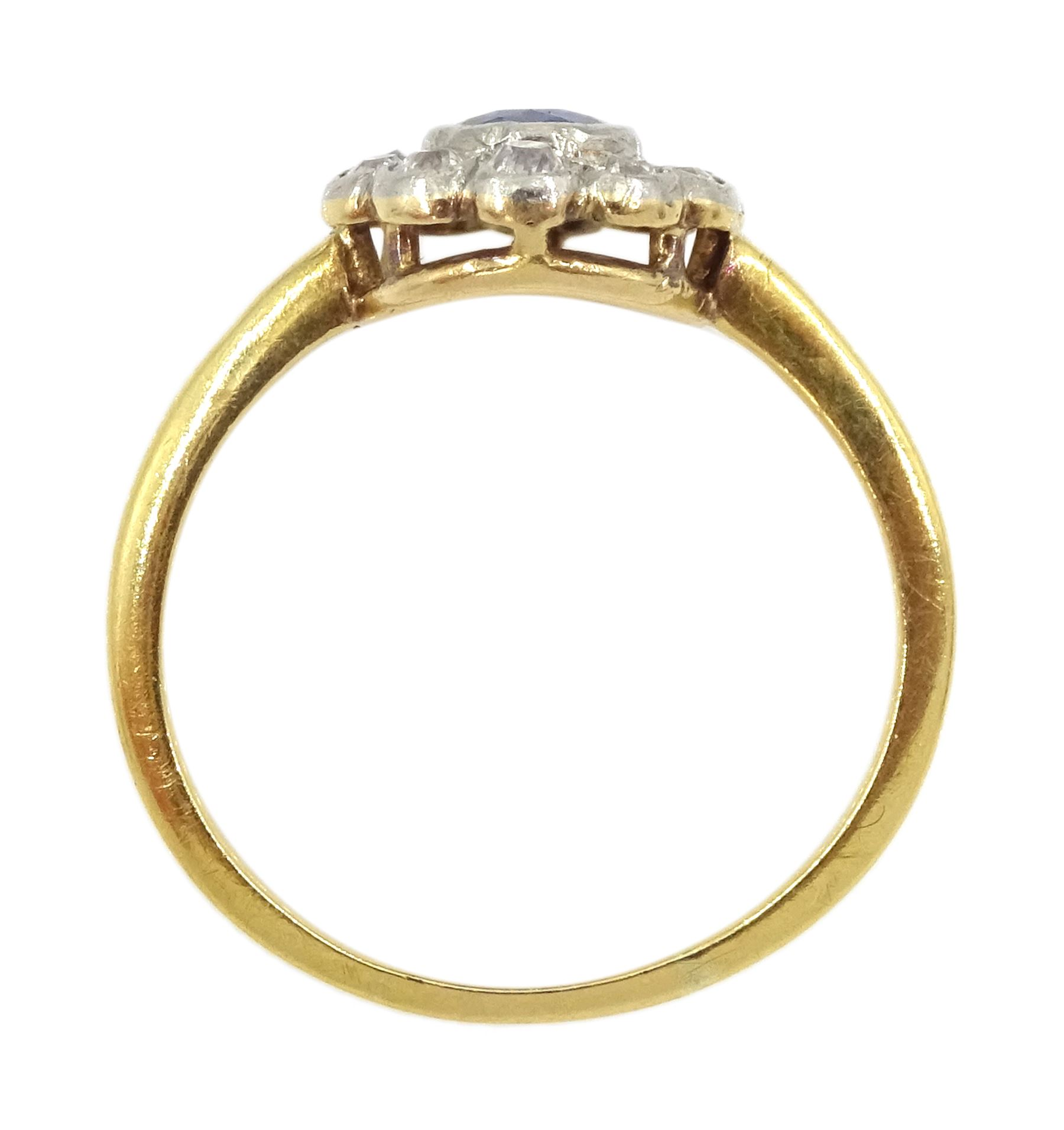 18ct gold round sapphire and old cut diamond cluster ring - Image 4 of 4
