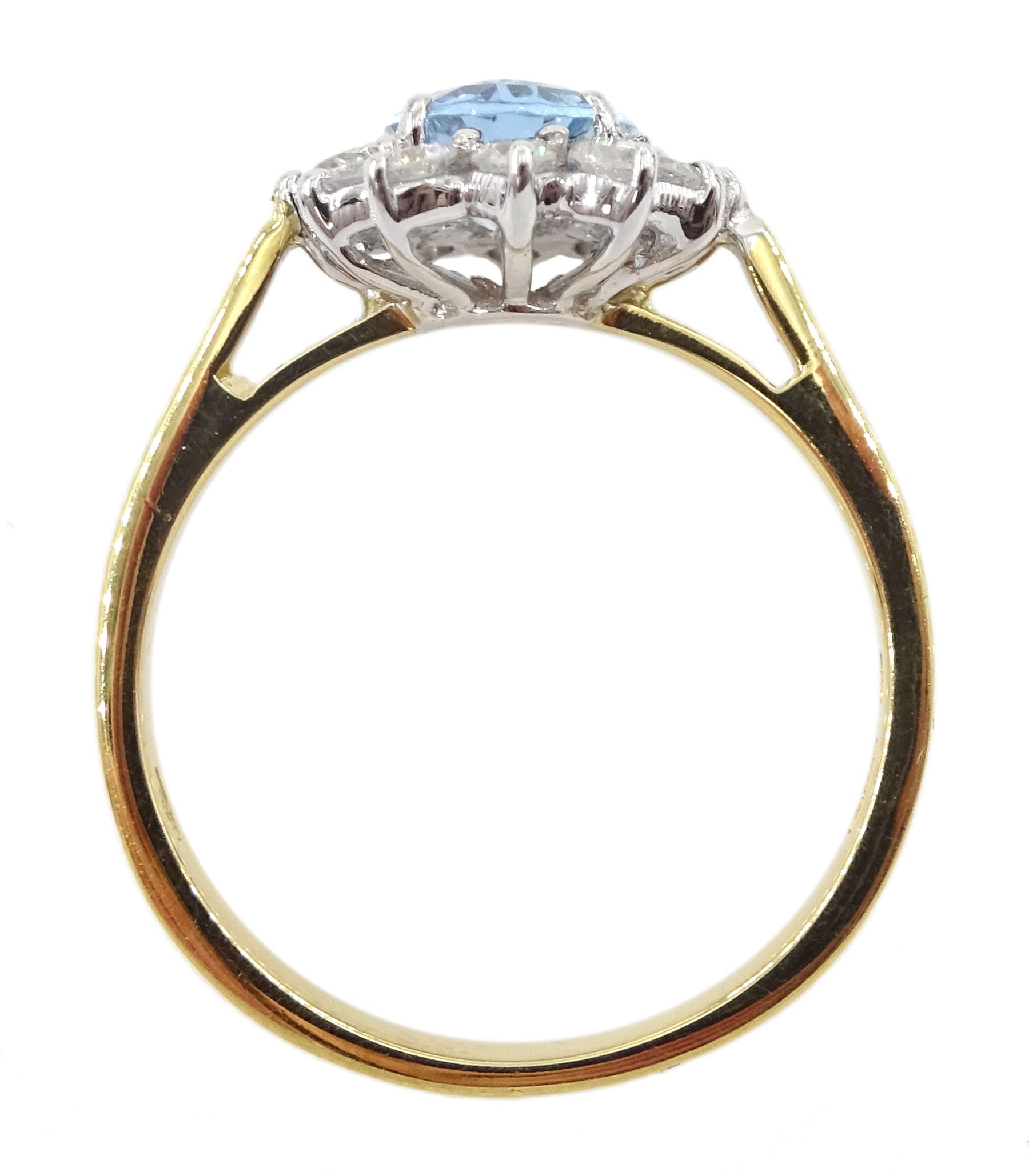 18ct gold oval aquamarine and round brilliant cut diamond cluster ring - Image 4 of 4