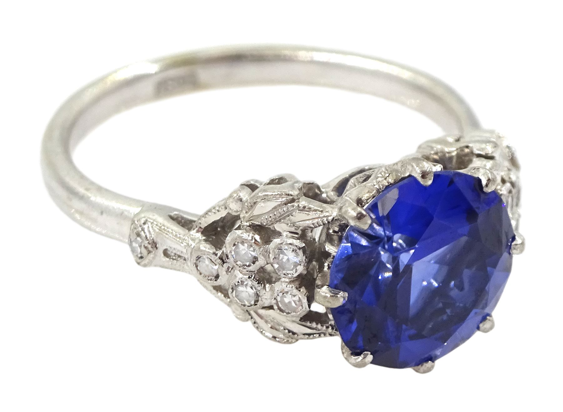 White gold round synthetic sapphire and diamond ring - Image 3 of 4