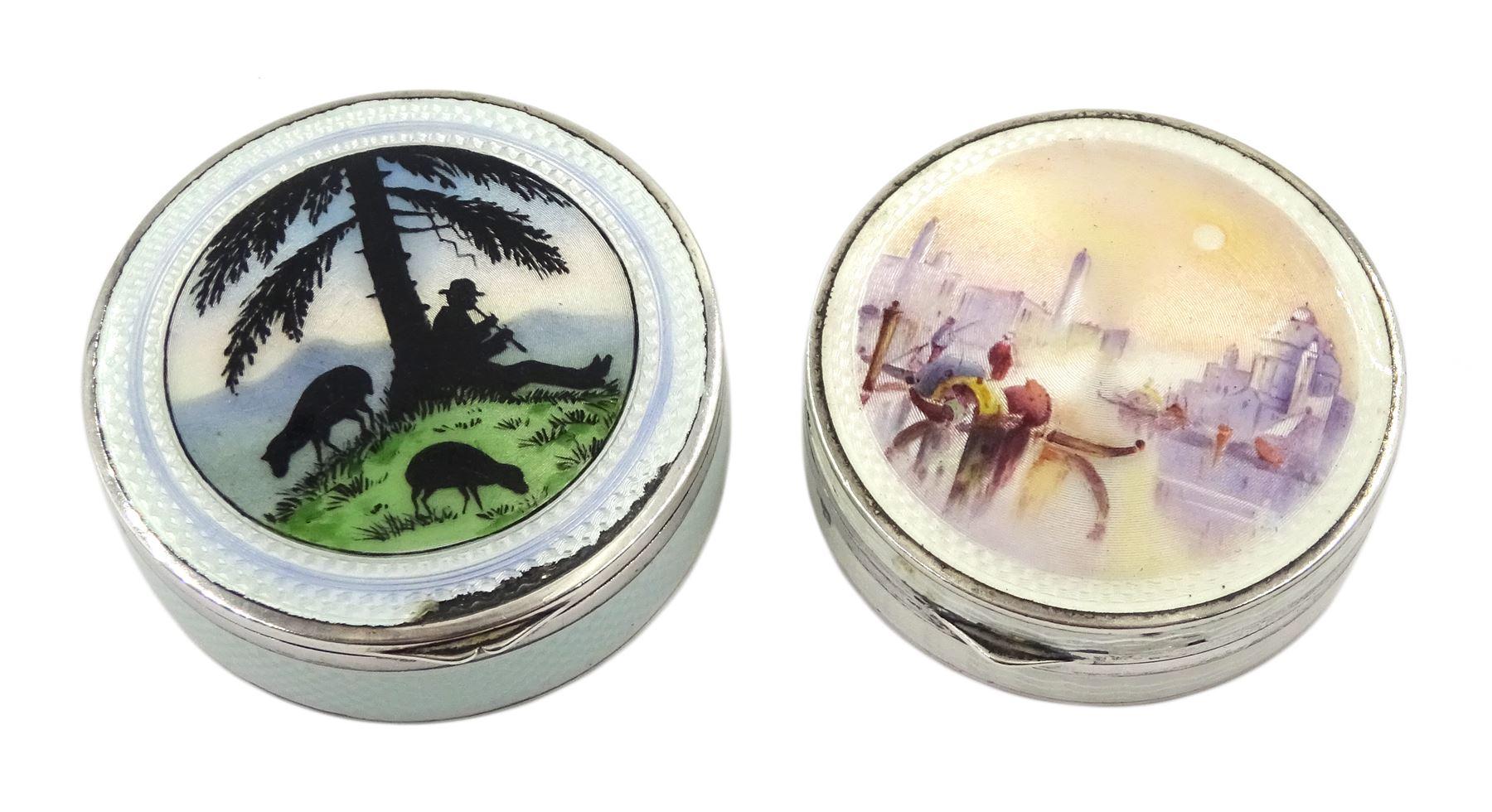 Silver enamel circular compact