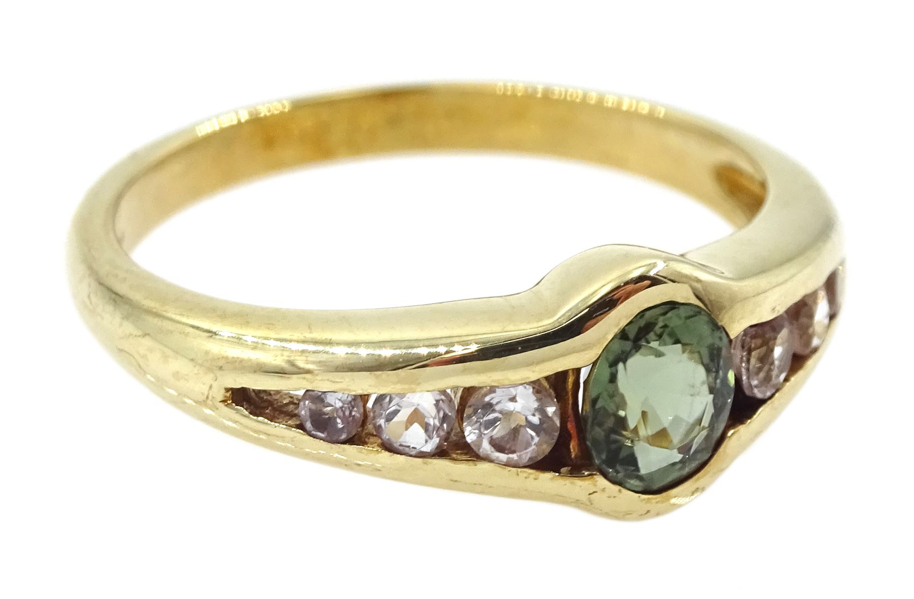 9ct gold oval green and white tourmaline ring - Image 3 of 4