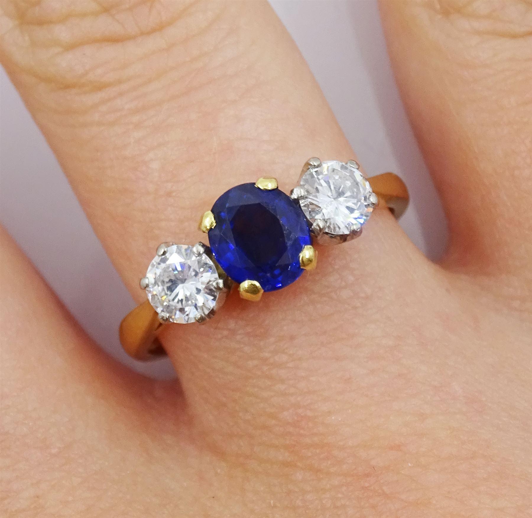 18ct gold three stone oval sapphire and round brilliant cut diamond ring - Image 3 of 4
