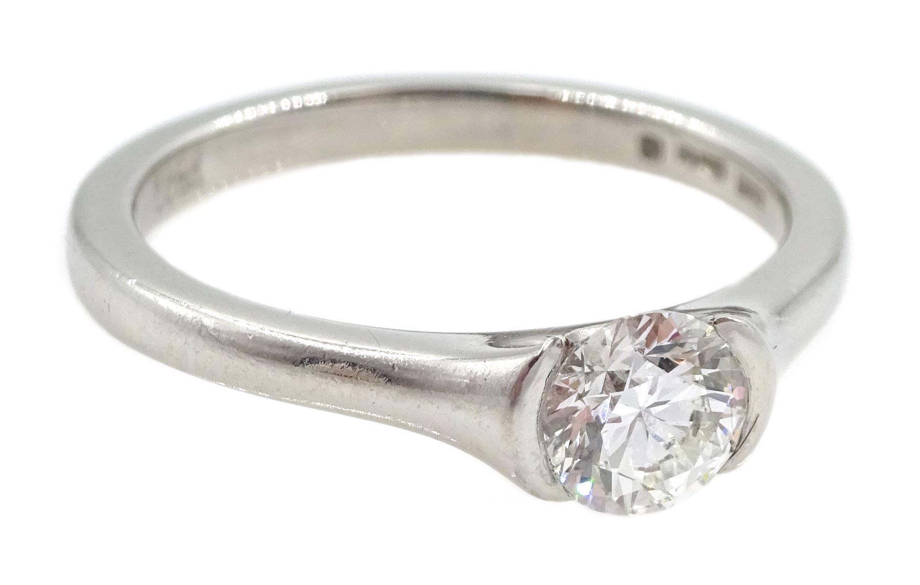 Platinum single stone round brilliant cut diamond - Image 4 of 5