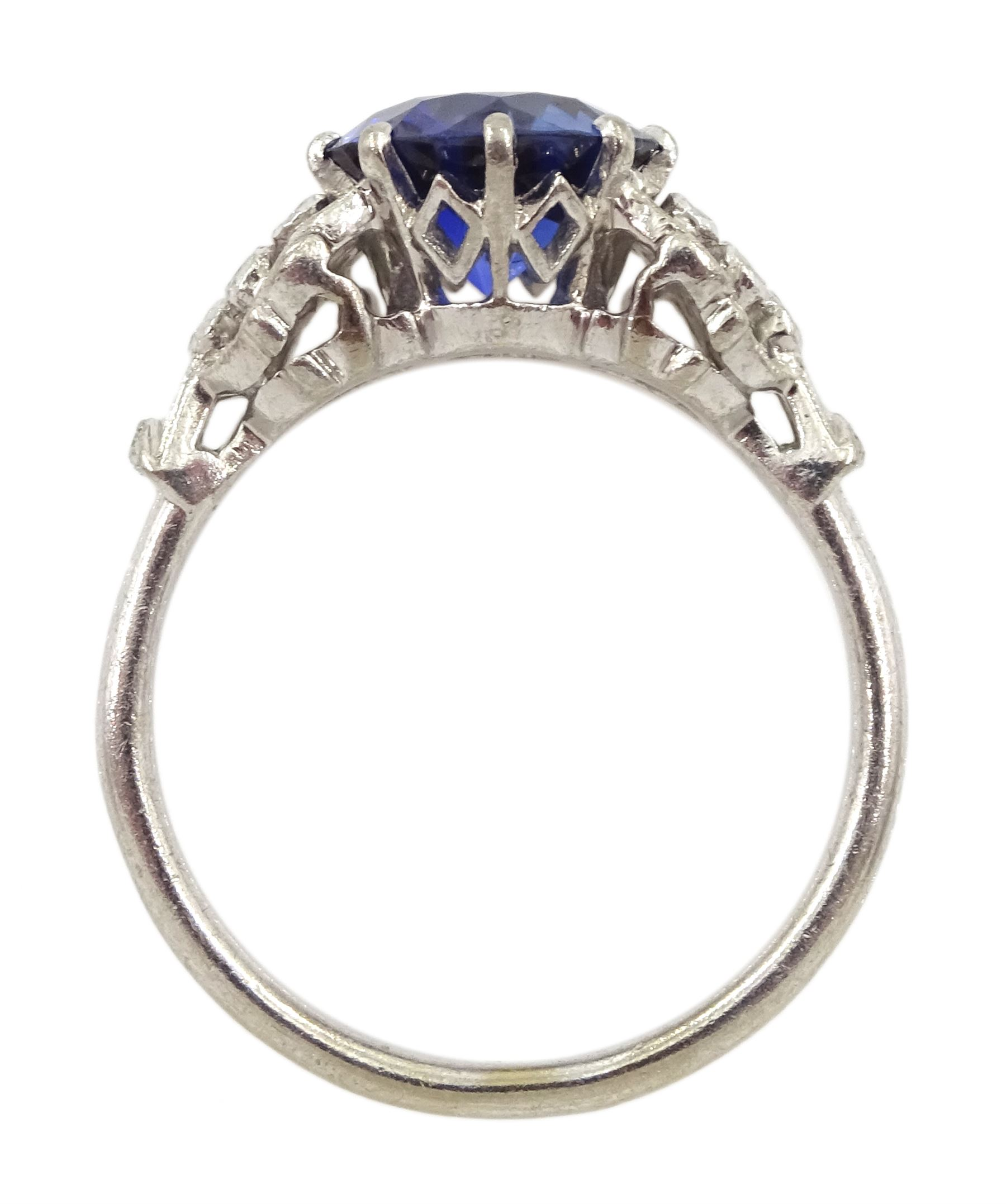 White gold round synthetic sapphire and diamond ring - Image 2 of 4