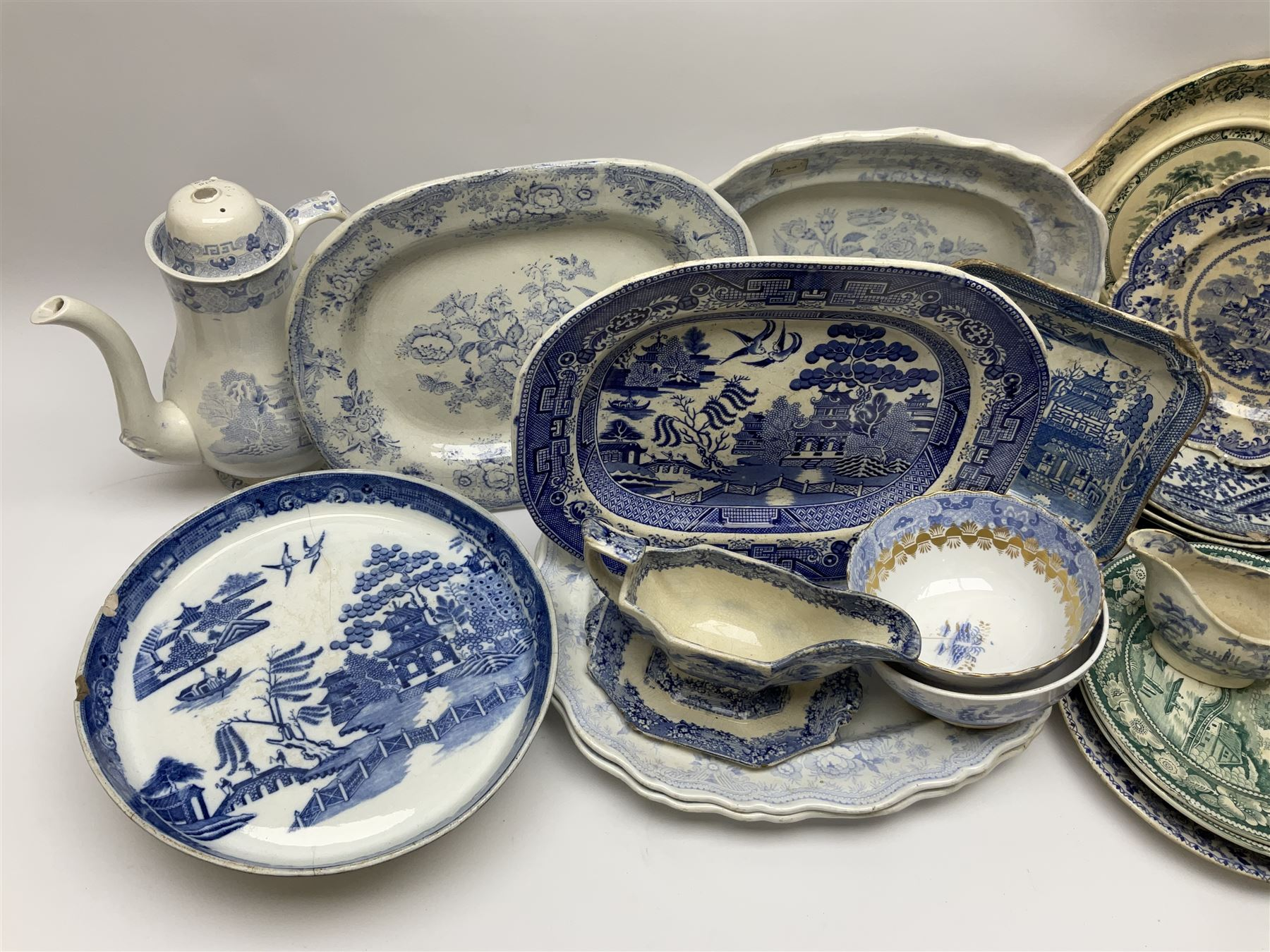 A large group of 19th century and later transfer printed pottery - Image 3 of 3