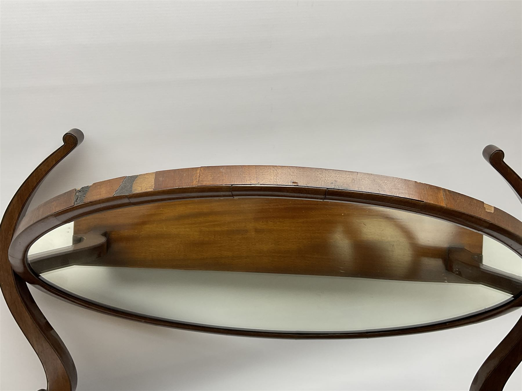 An early 20th century figured mahogany toilet mirror - Image 3 of 9