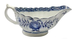 18th century Worcester sauce boat