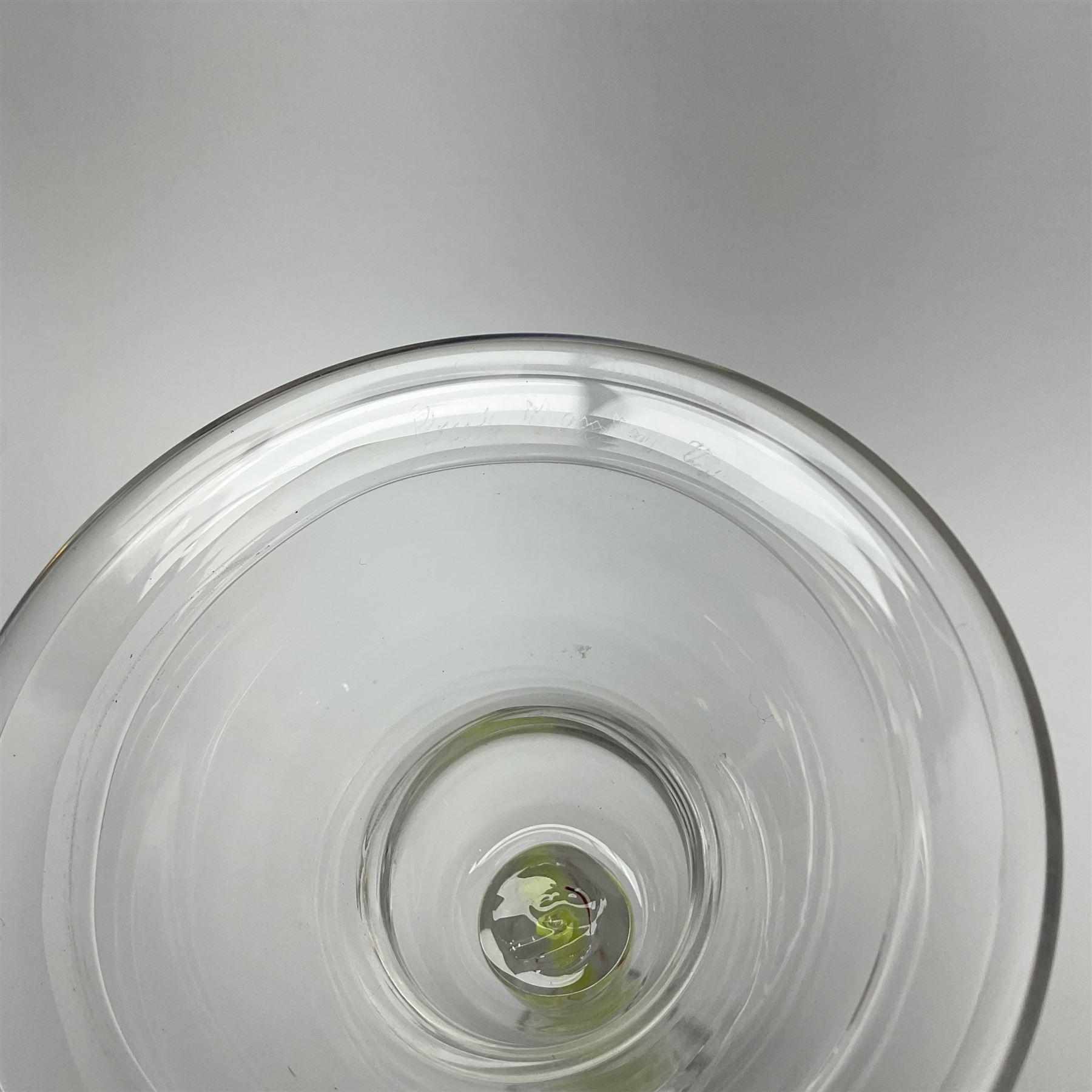 Six late 20th century Paul Manson Shilbottle Glass Studio drinking glasses - Image 4 of 4