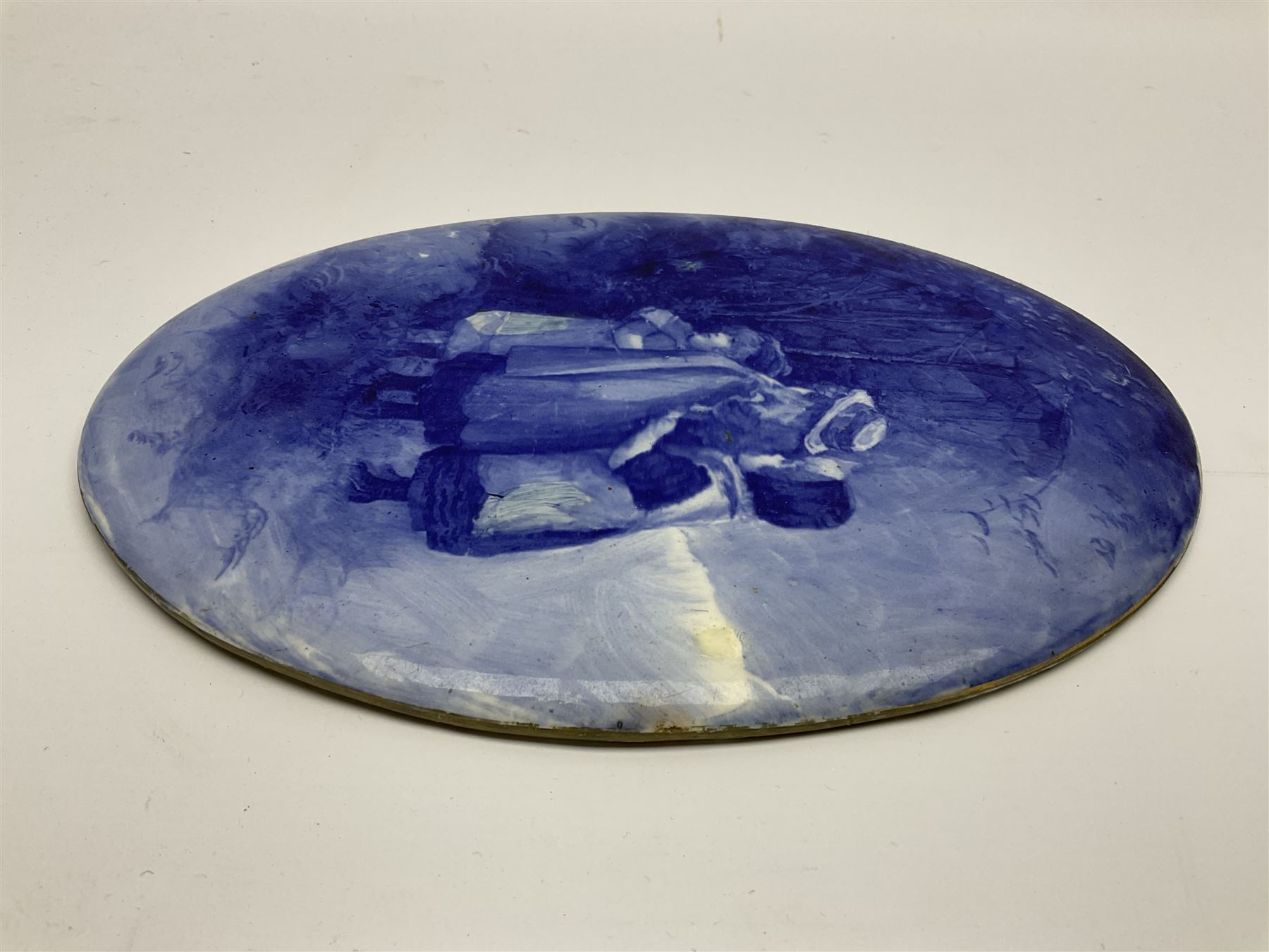 A Royal Doulton blue and white wall plaque - Image 5 of 7
