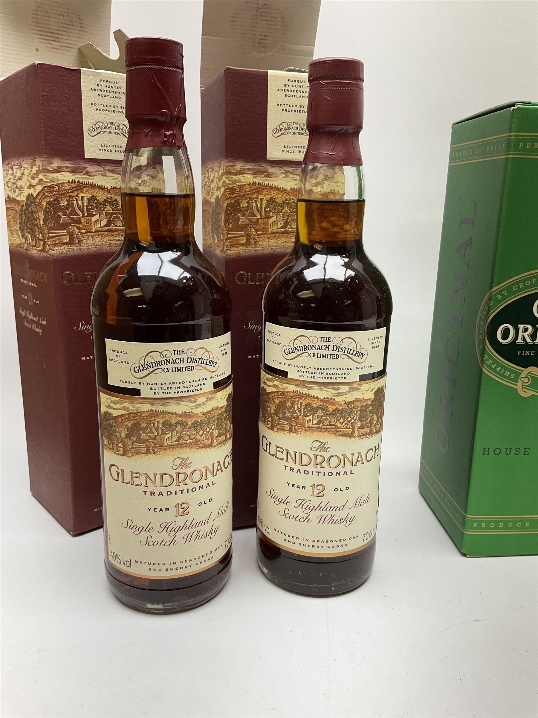 Bell's Millennium 2000 blended single malt and grain whisky aged 8 years - Image 2 of 3