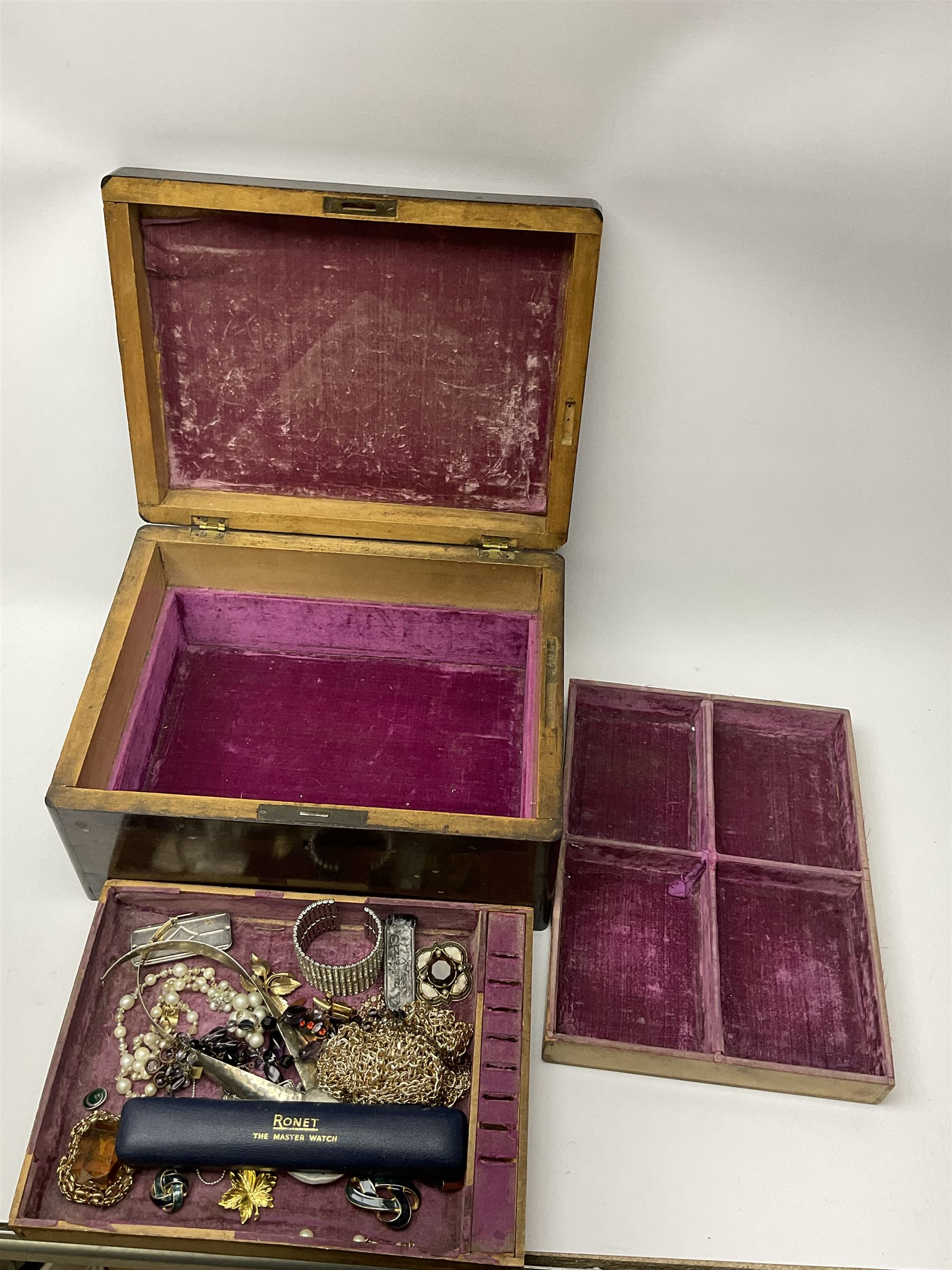A selection of Vintage and later costume jewellery - Image 5 of 6