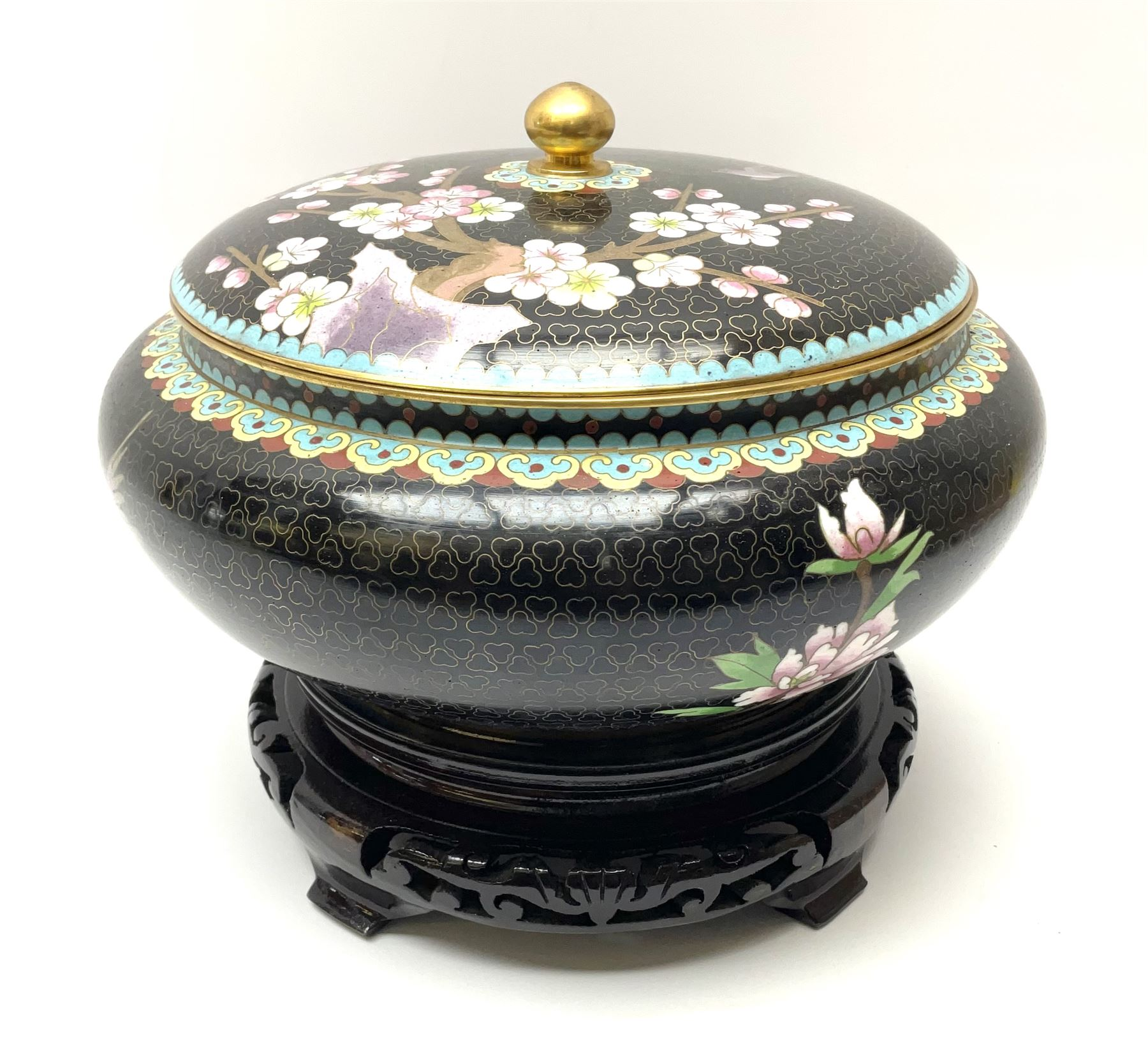A Japanese cloisonne jar and cover