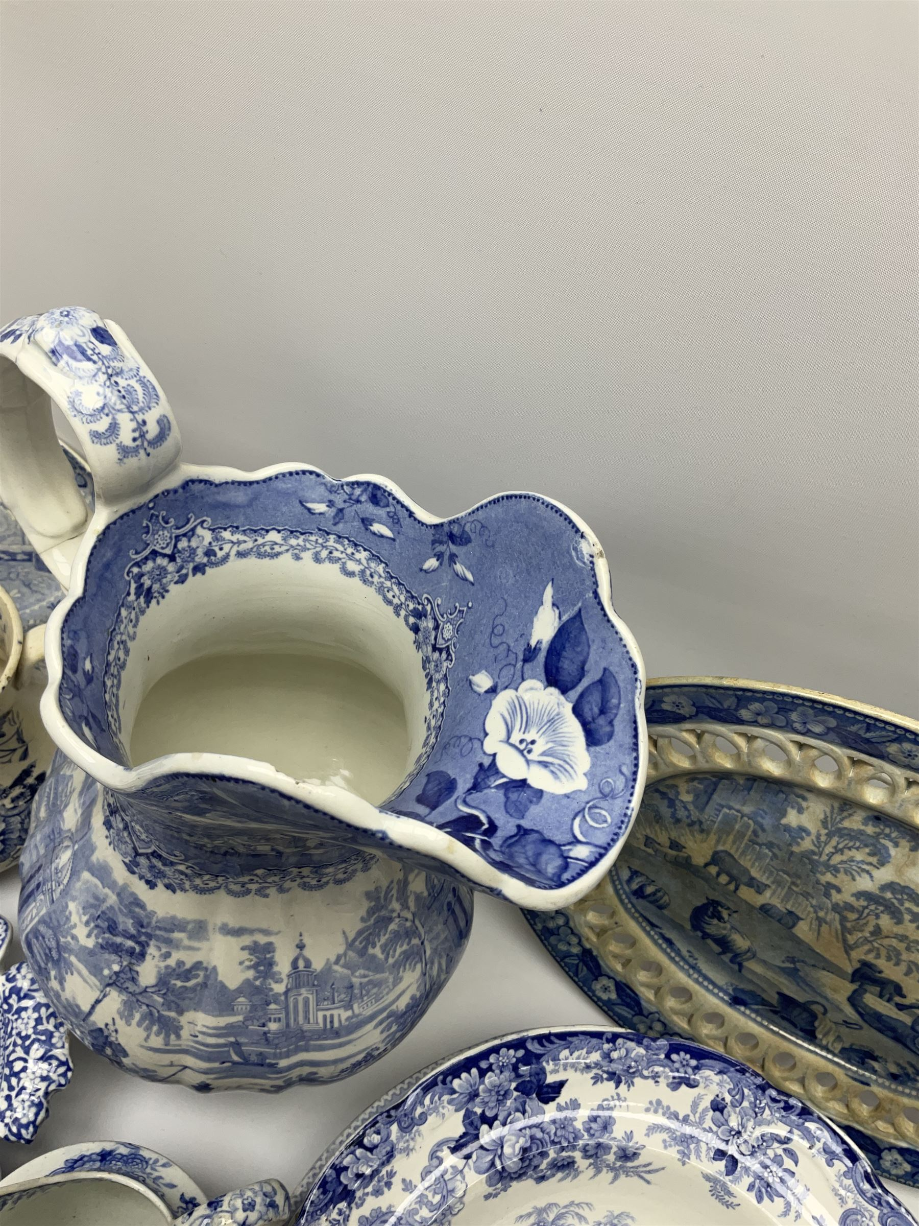 A group of 19th century blue and white transfer printed pottery - Image 4 of 7