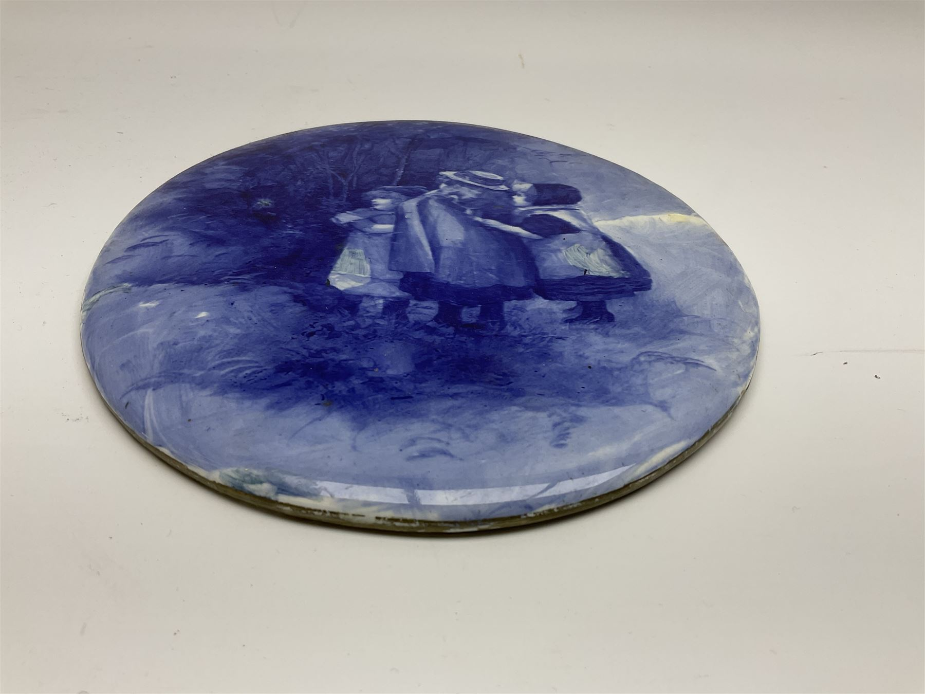A Royal Doulton blue and white wall plaque - Image 7 of 7