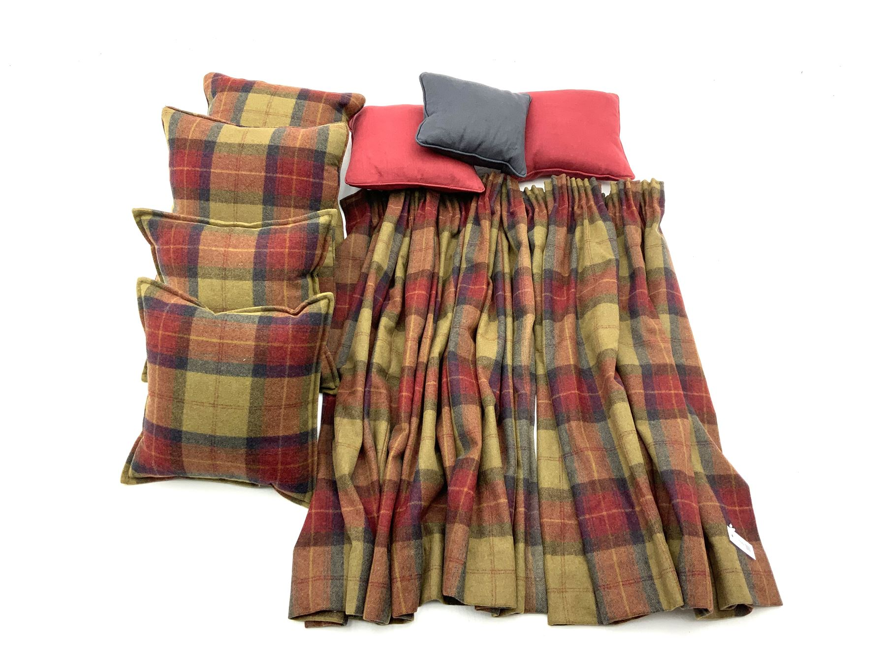 Pair red and green tartan fabric curtains