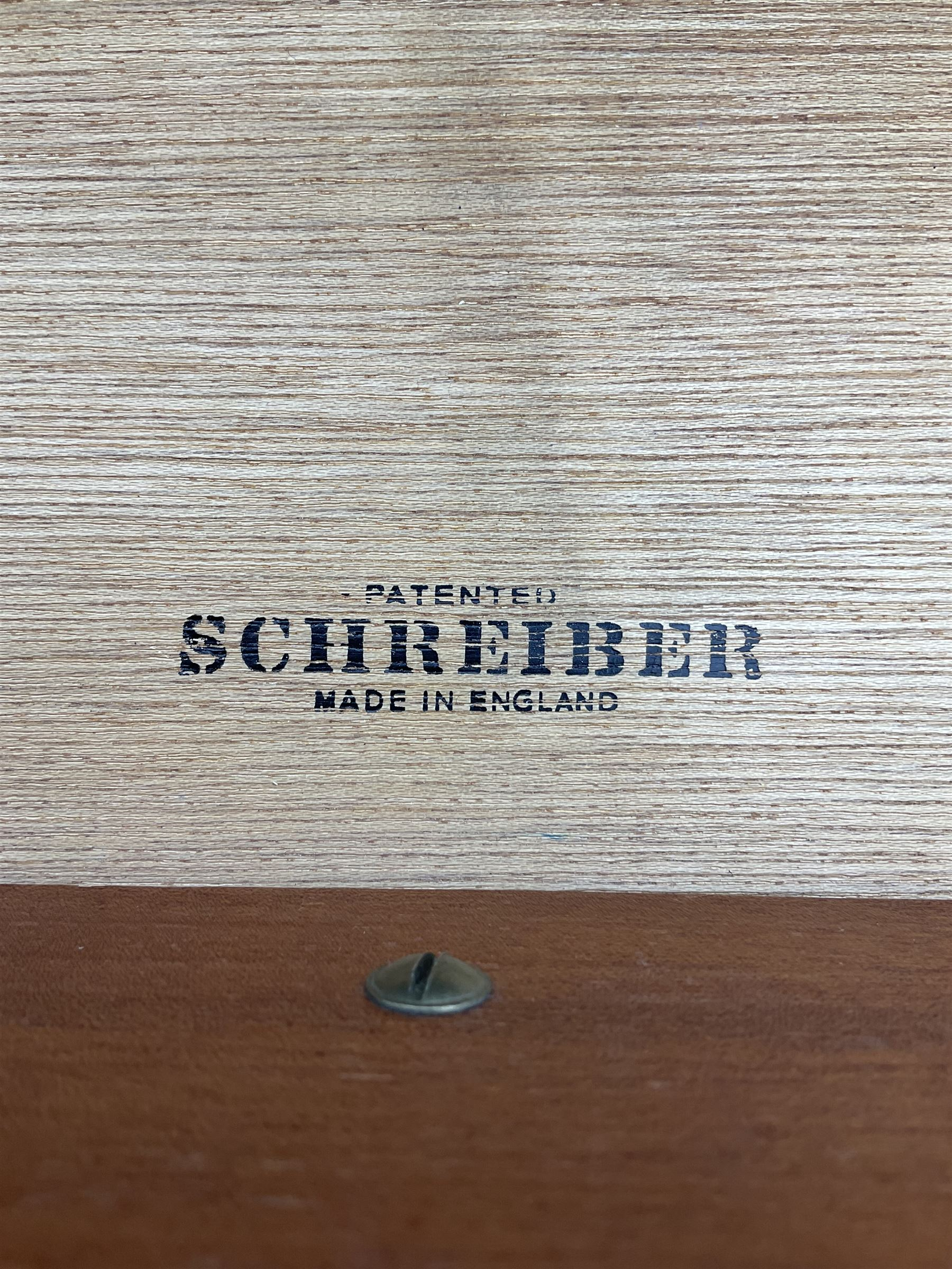 Schreiber of England chest - Image 3 of 3