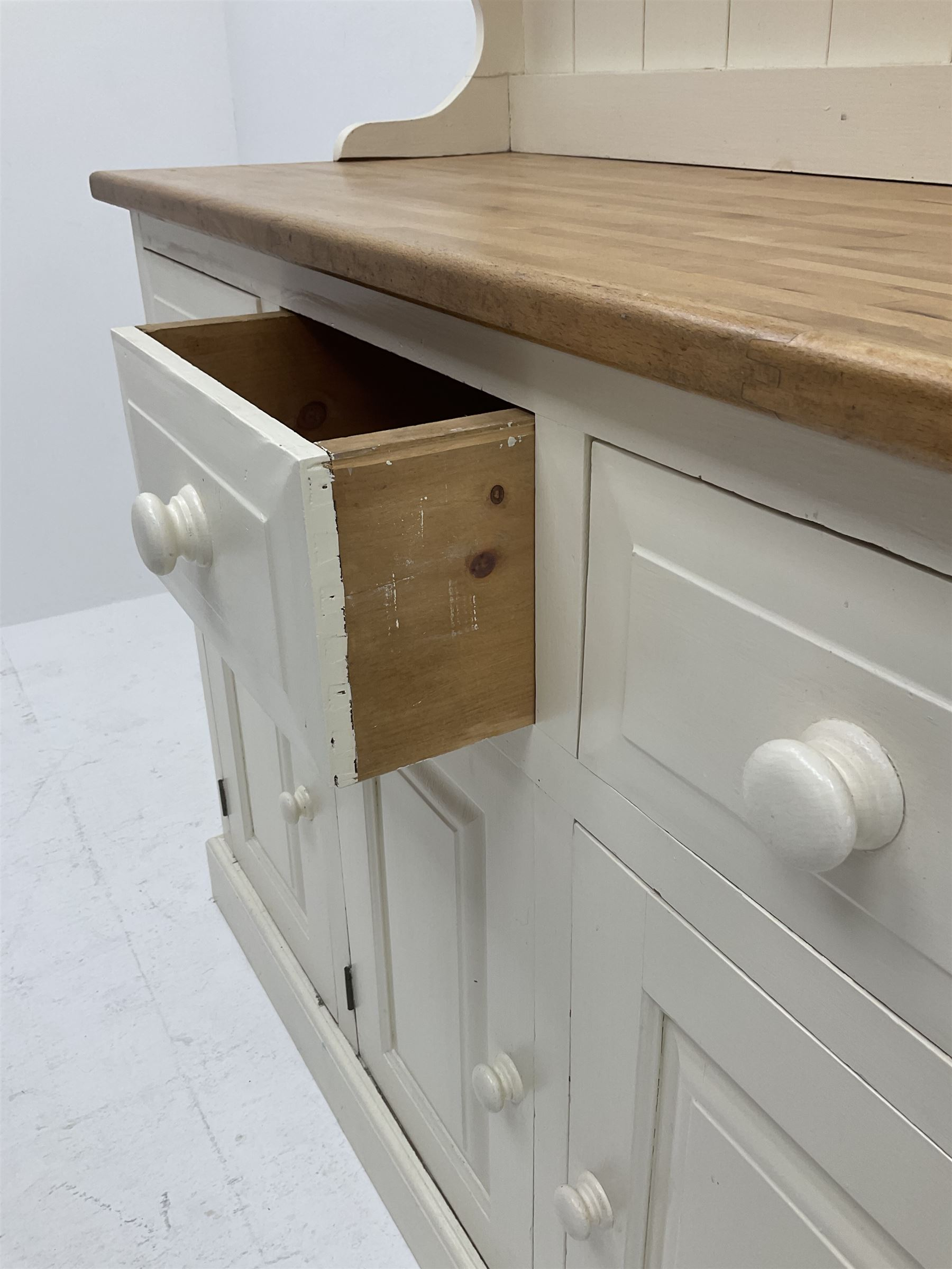 Victorian style painted pine dresser - Image 3 of 3