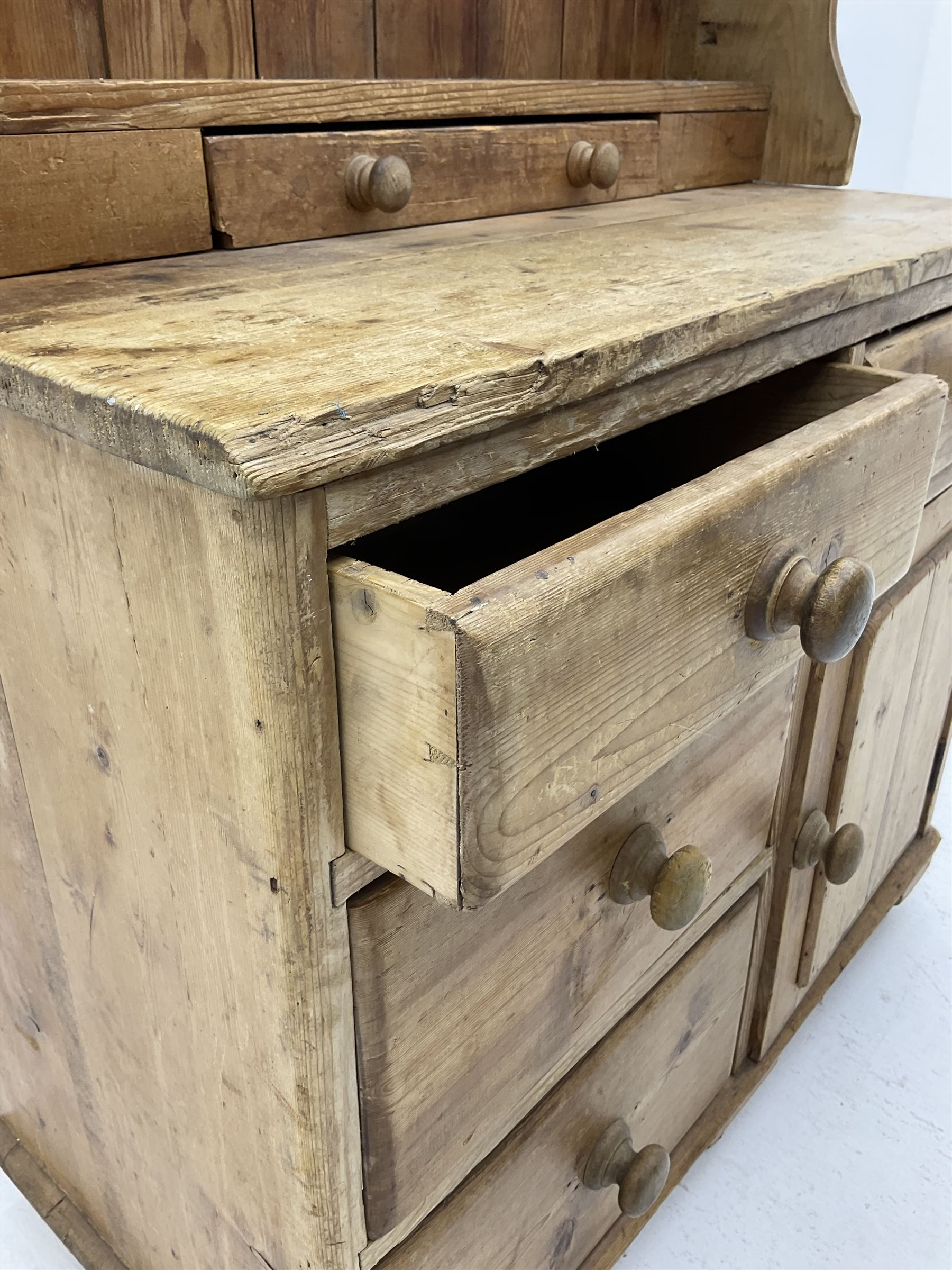 19th century and later pine chest with plate rack - Image 3 of 3