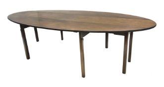 20th century Georgian style mahogany wake table
