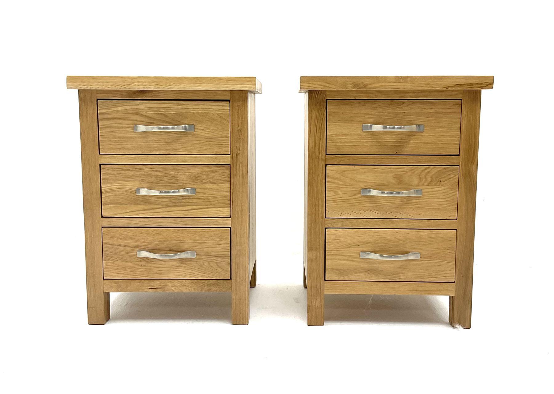 Pair light oak bedside pedestal chests - Image 2 of 2